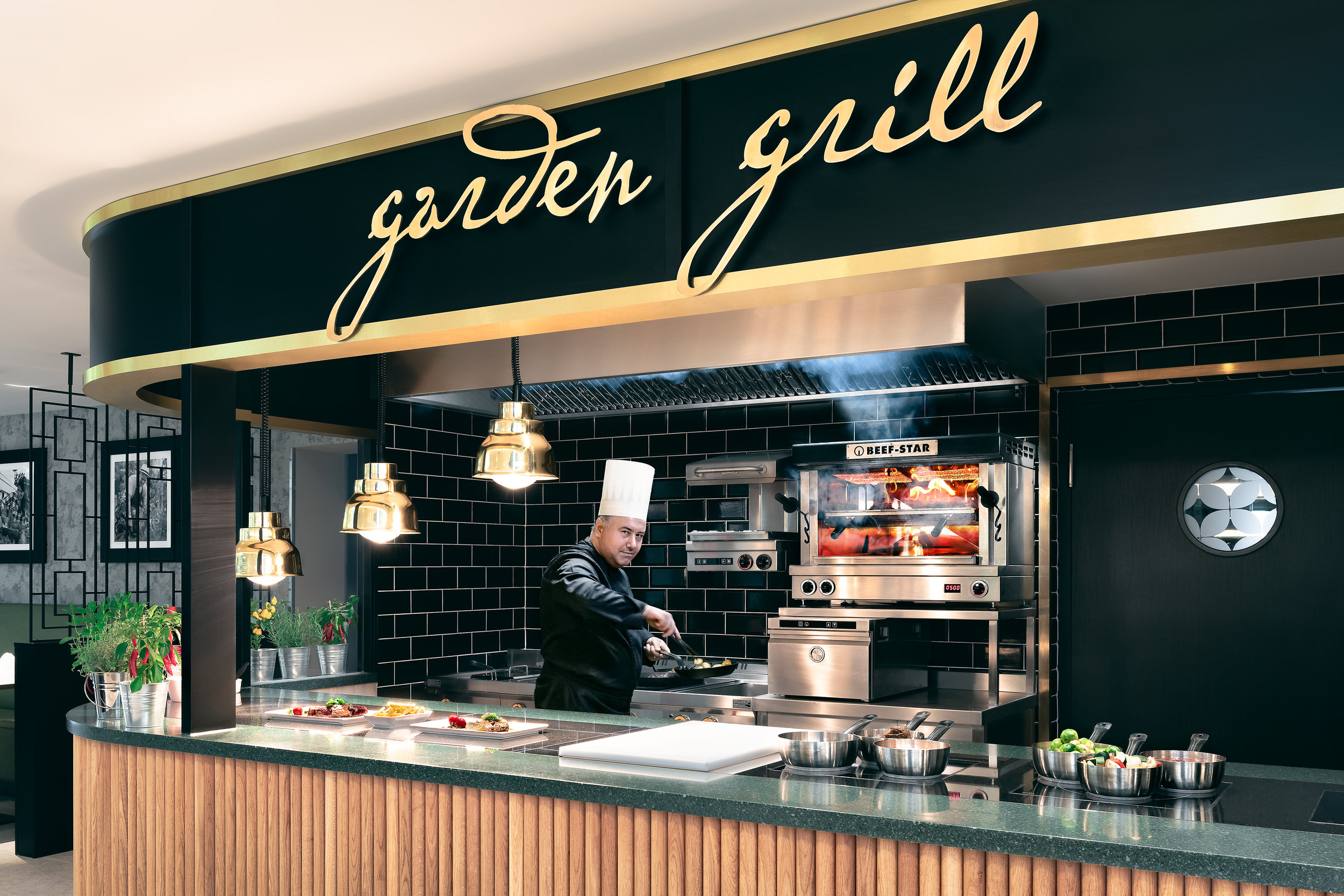 Hotelfotografie: Hilton Hotel - Küche mit Beefer Grill