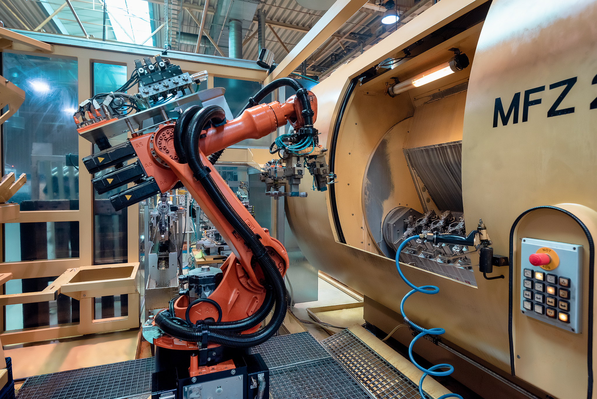 The inclusion of the industrial robot required an intensive image retouching to remove the chips and make the image look clean. The rule of thirds was observed.  Nikon D810 | ISO 500 | Focal length 29mm (Tamron 15-30 SP) | f / 5 | Exposure time 1/30 sec