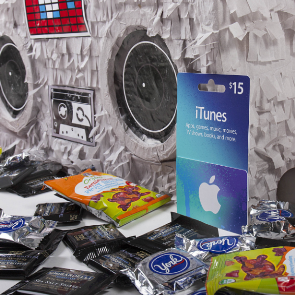 Boombox PInata iTunes Gift Card