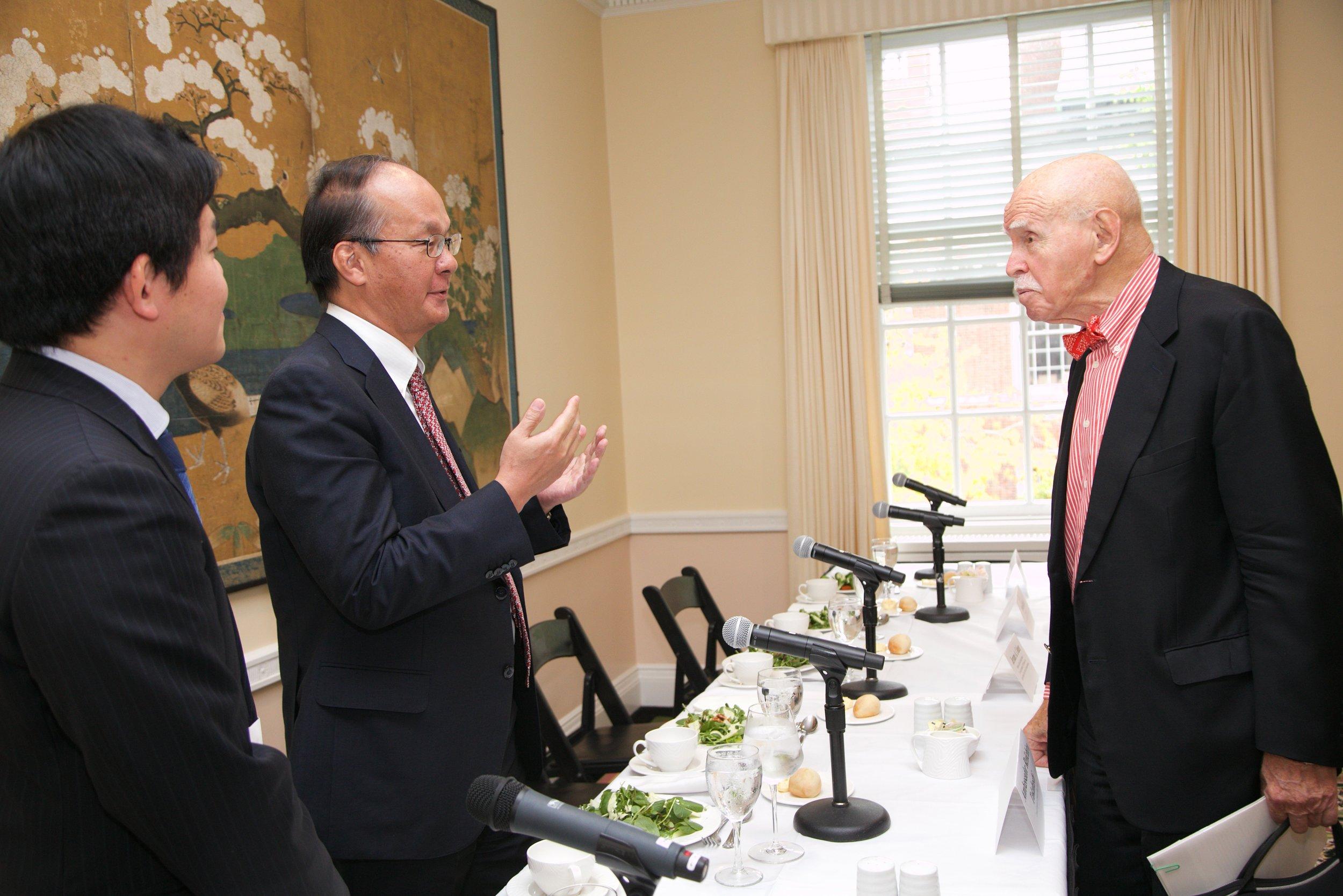 Senior Fellow Ren Ito, Ambassador Reiichiro Takahashi, and Professor Jerome A. Cohen at lunch