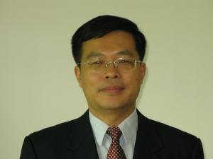Prof Ling Bing 2.jpg
