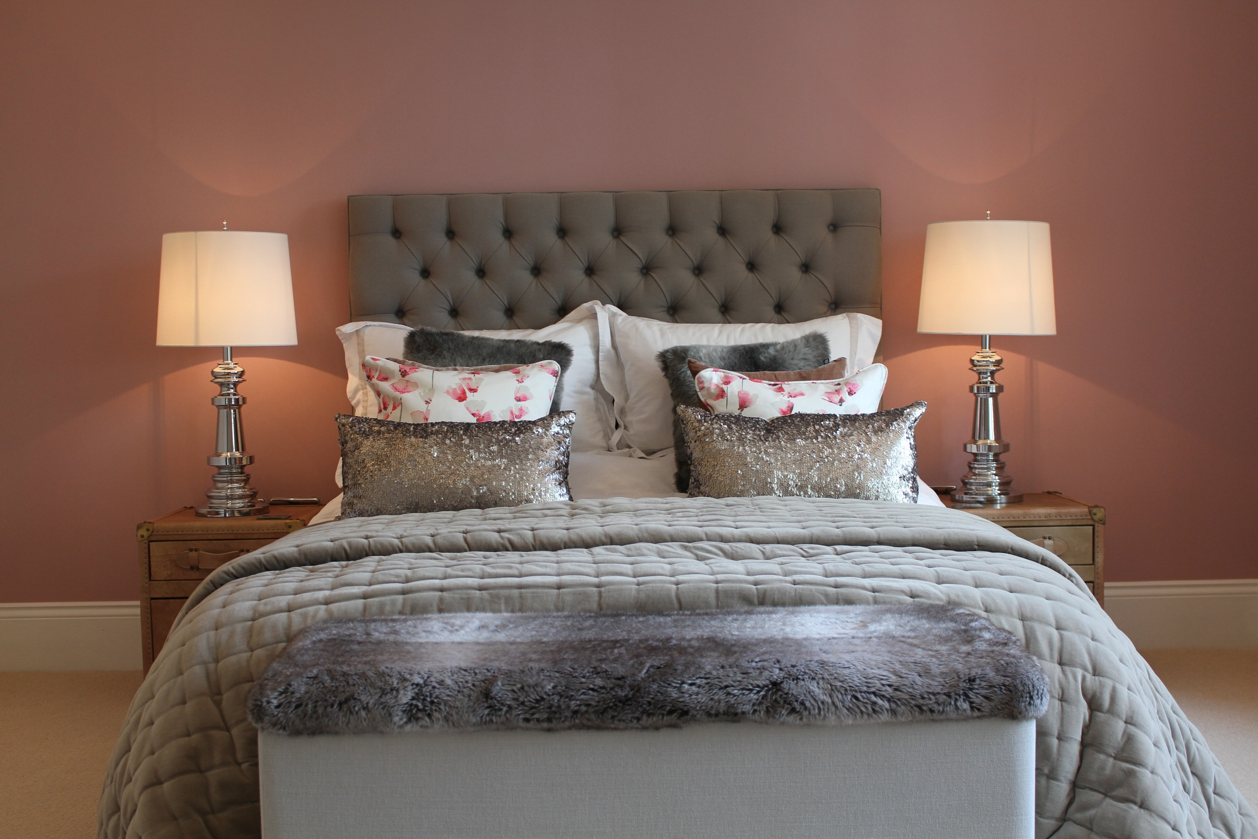Eyebrook 1st guest bed 1.jpg