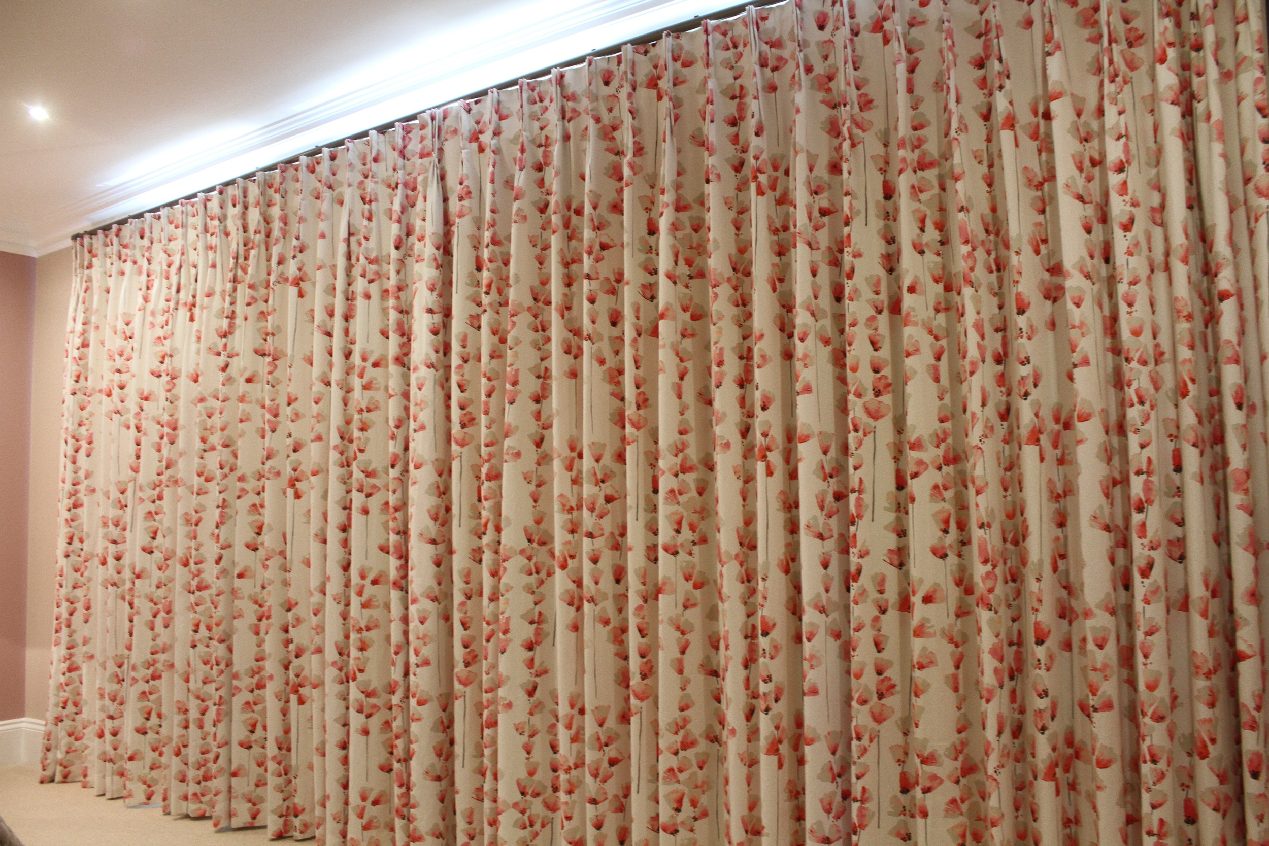 Eyebrook 1st guest bed curtains closed.jpg