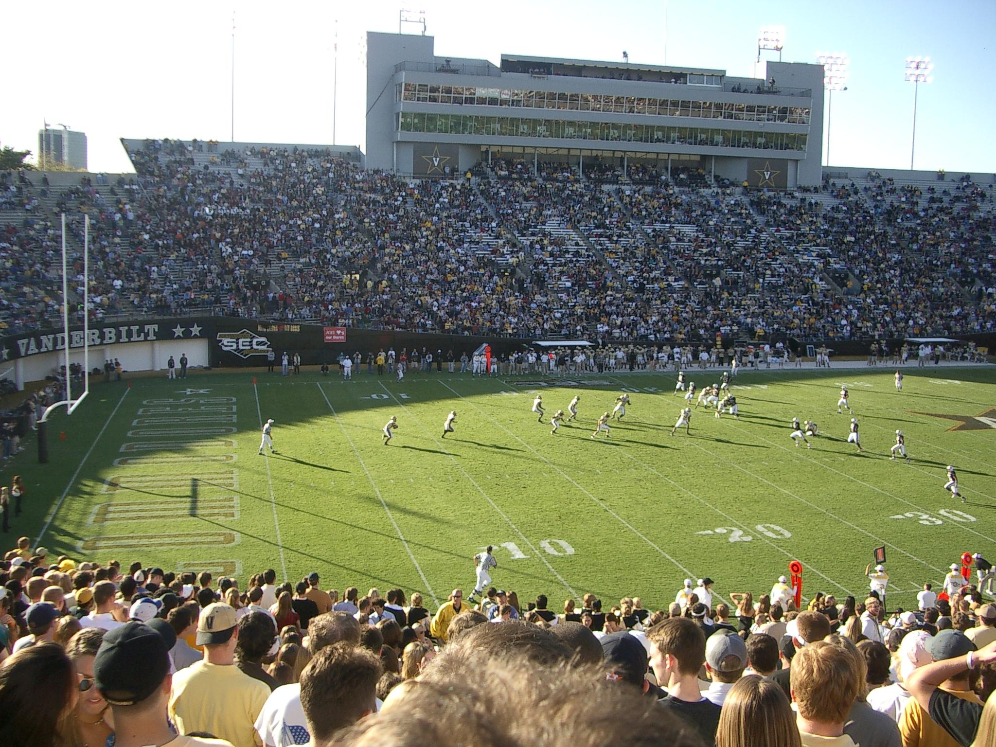 Vanderbilt_Stadium.jpg