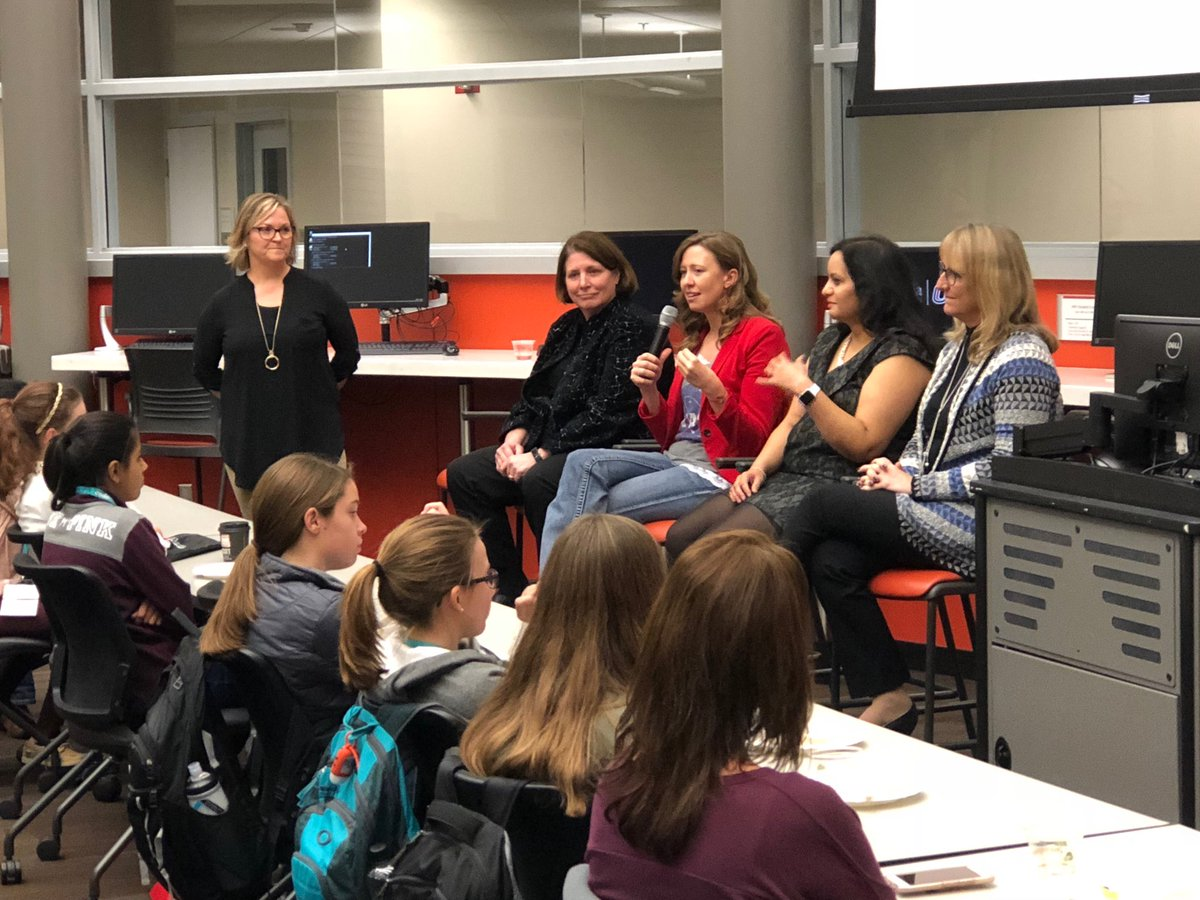 CodeCrush IT Leaders Panel. Sue Thaden of CRi, Susan Courtney of BCBS of NE, Heather Richardson of Mutual of Omaha, Mayi Arora of Union Pacific, and Colleen Schinker of HDR. Photo Credit: UNO College of IS&T.