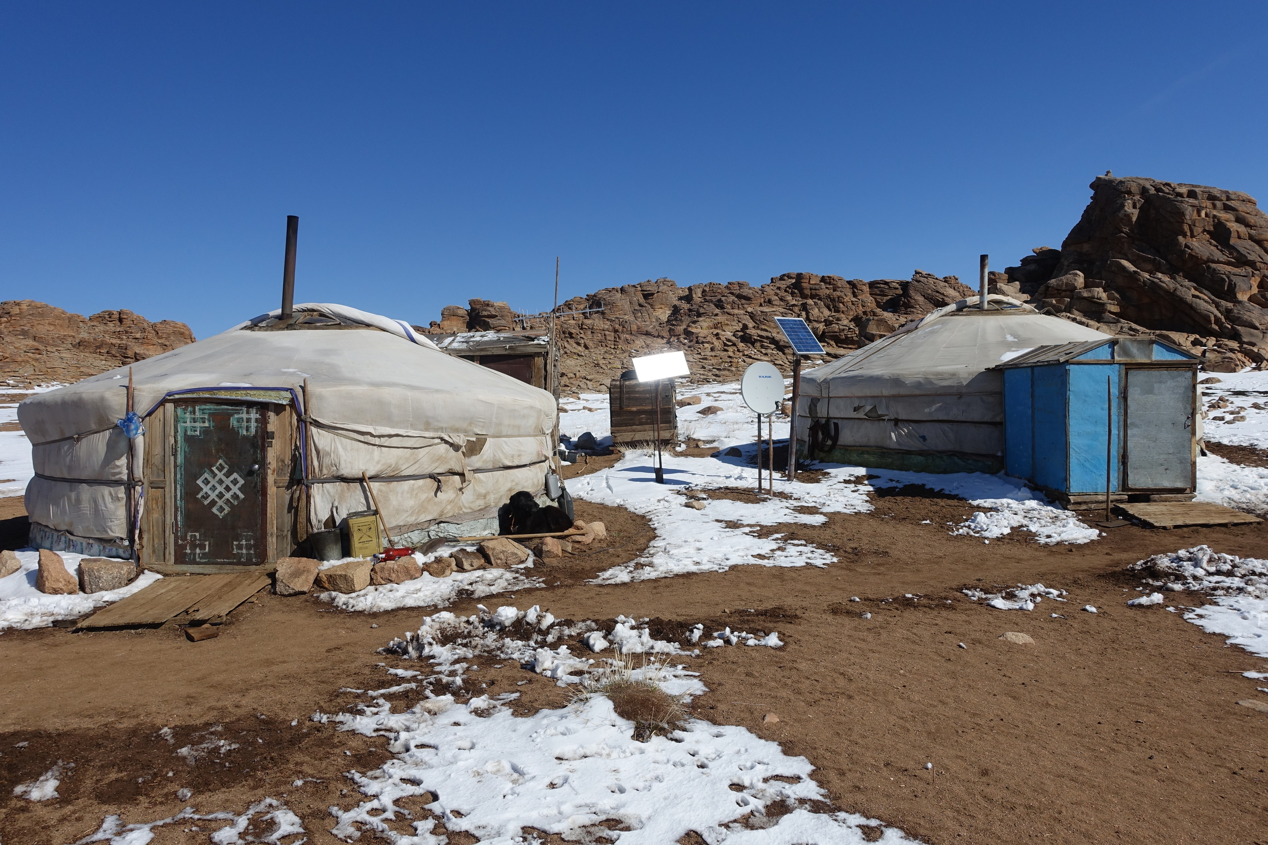 Building a second ger to host tourists allows nomadic families to increase their income. For tourists, this authentic type of accommodation gives a genuine experience of the Mongolian nomadic life.
