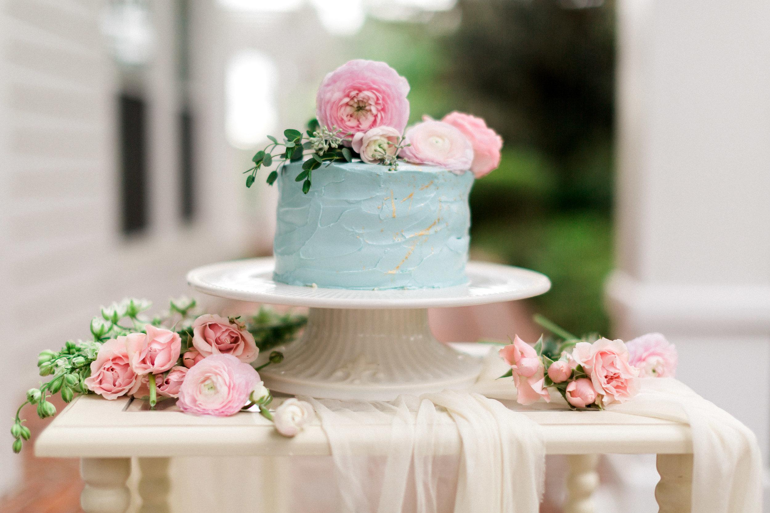 cypress grove estate house, orlando florida wedding photo shoot, cake and flowers