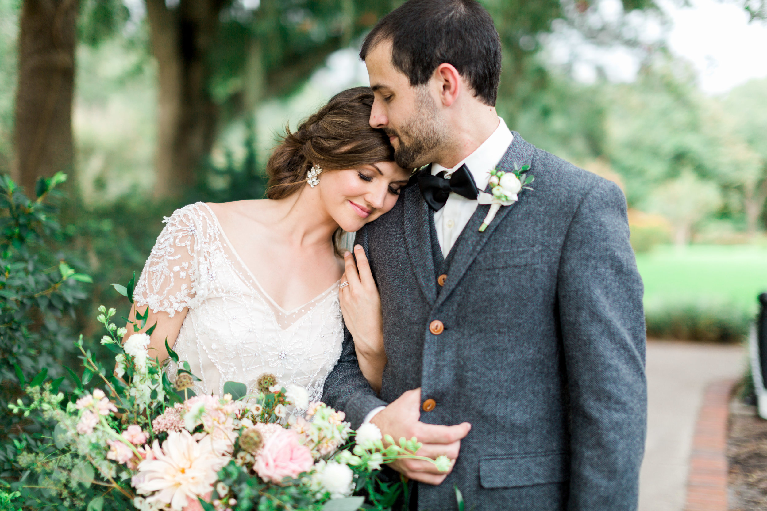 cypress grove estate house, orlando florida wedding photo shoot, bride and groom