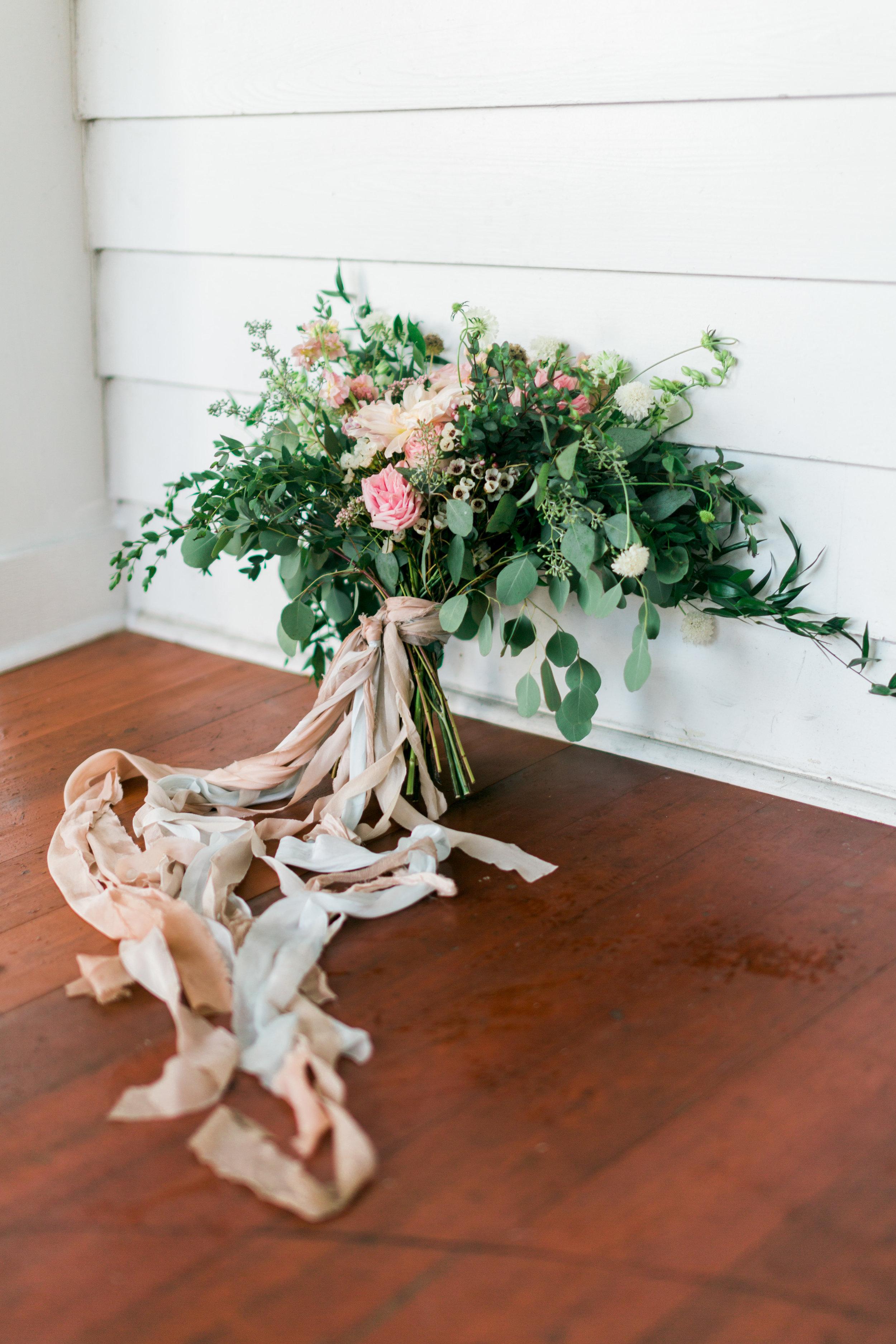 cypress grove estate house, orlando florida wedding photo shoot, bridal bouquet