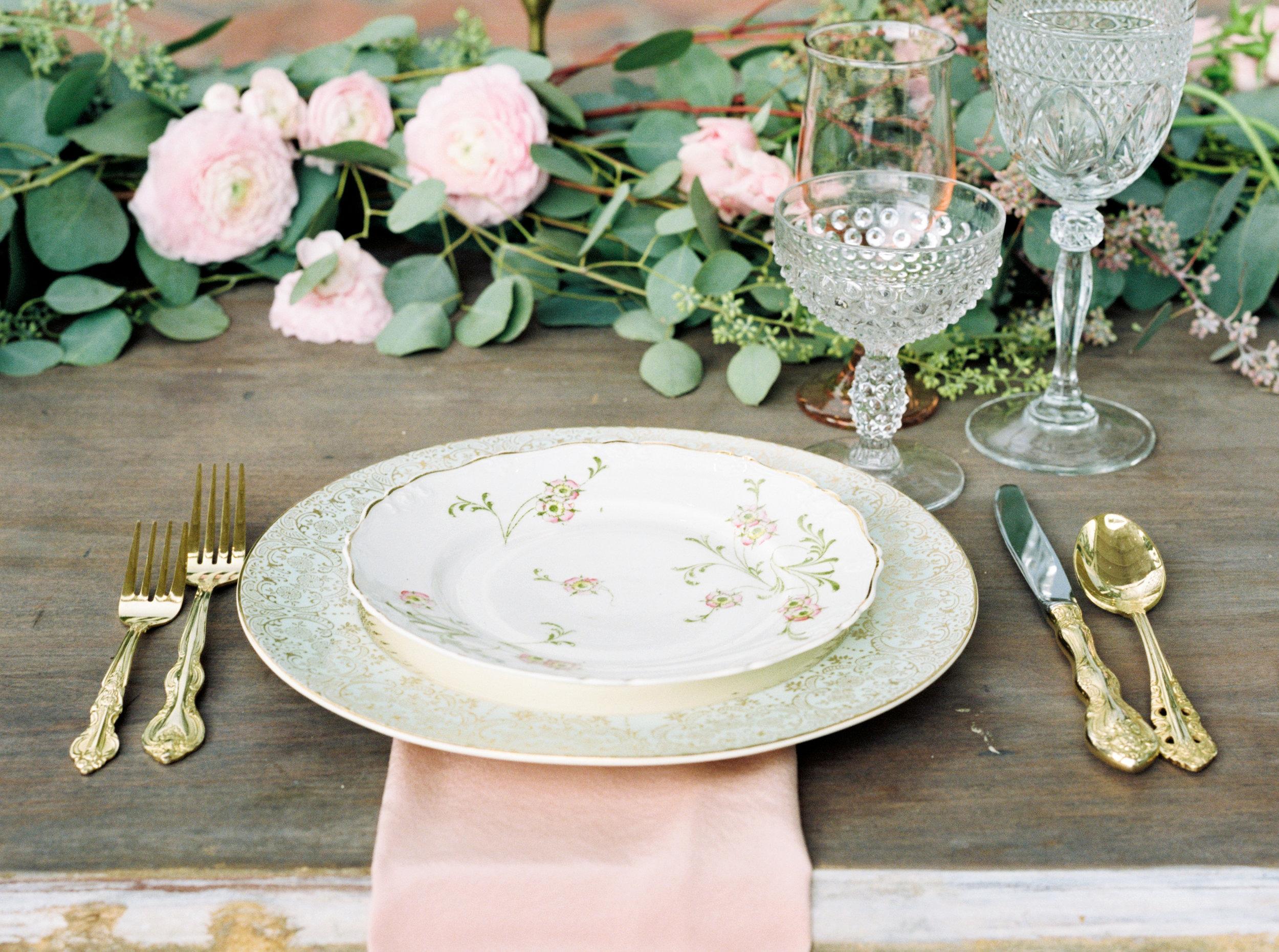 cypress grove estate house orlando florida wedding photos, table scape and centerpiece