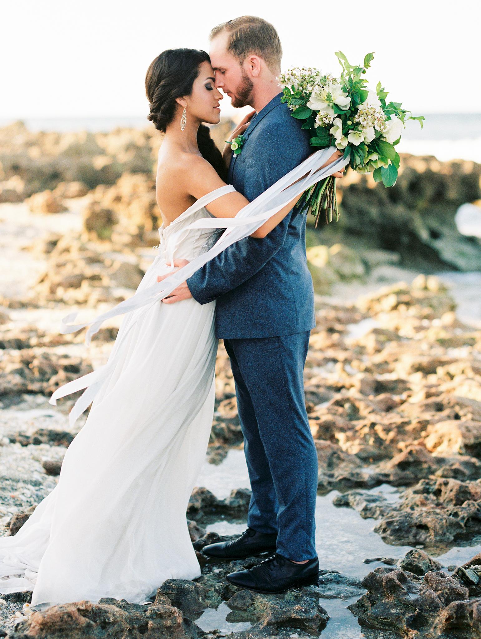 coral cove, jupiter beach FL, palm beach wedding photos, bride and groom sunset photos