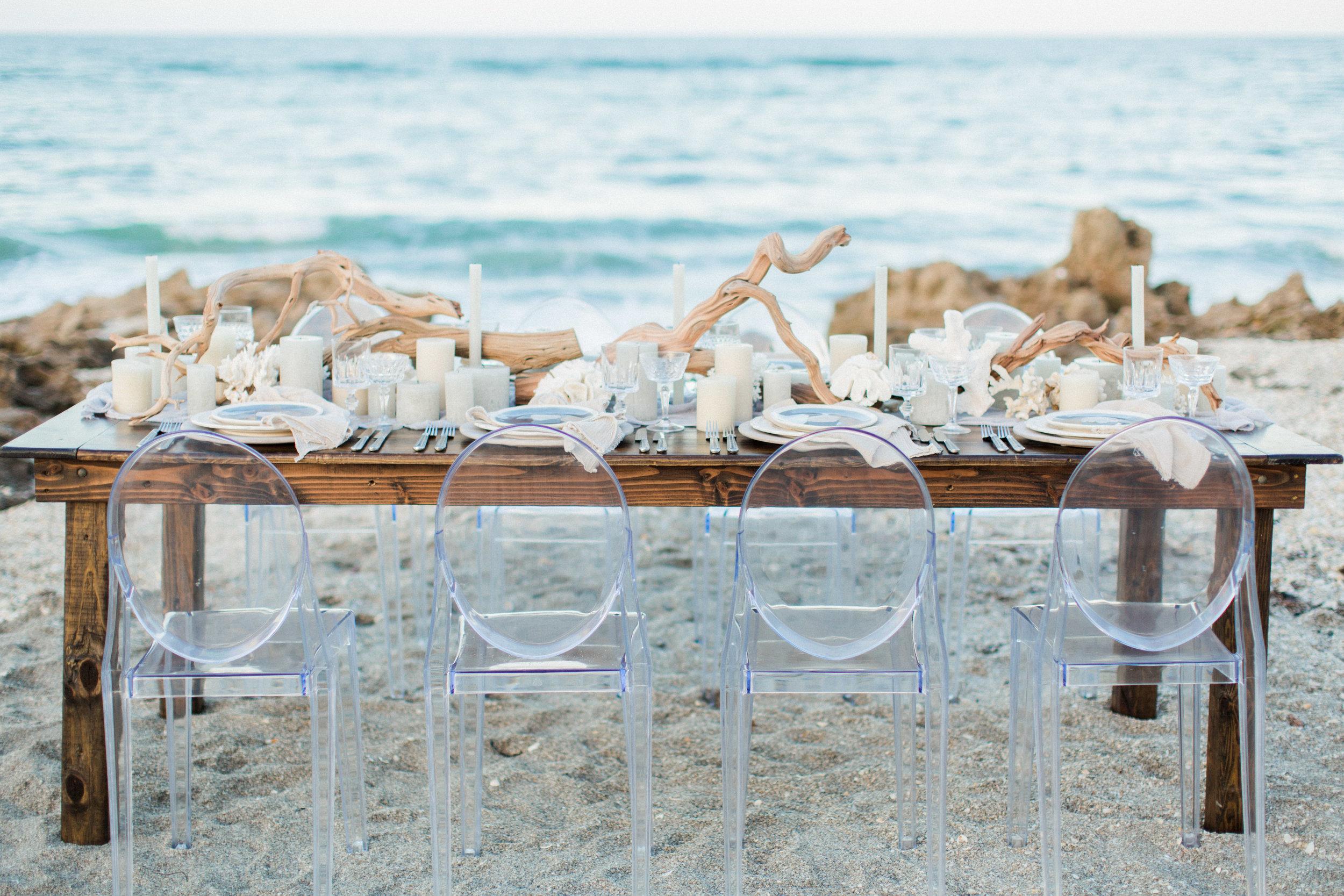 coral cove, jupiter beach FL, palm beach wedding photos, table setting on beach