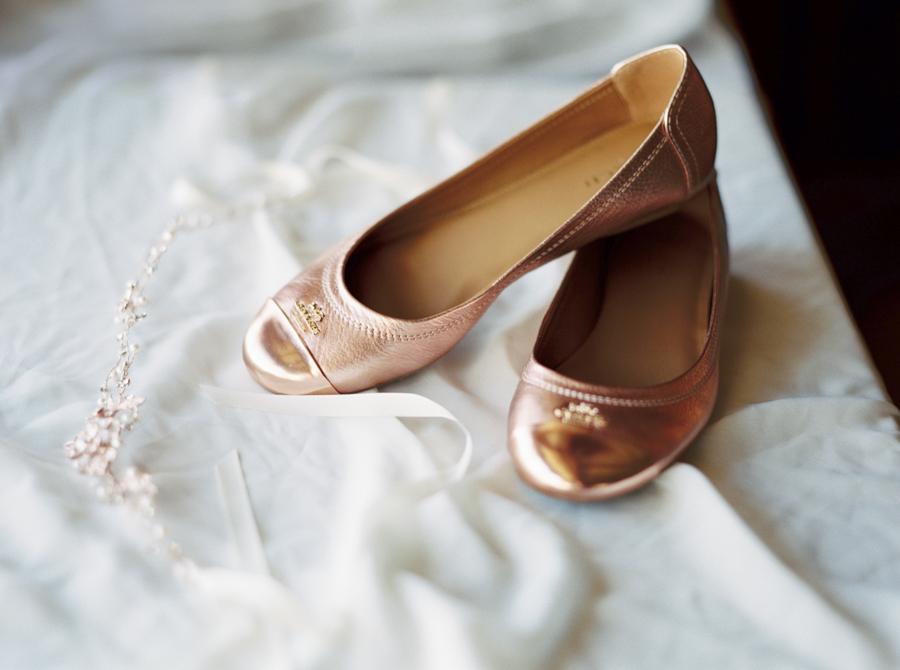 estate on the halifax in daytona beach, port orange fl wedding photos getting shoes photo