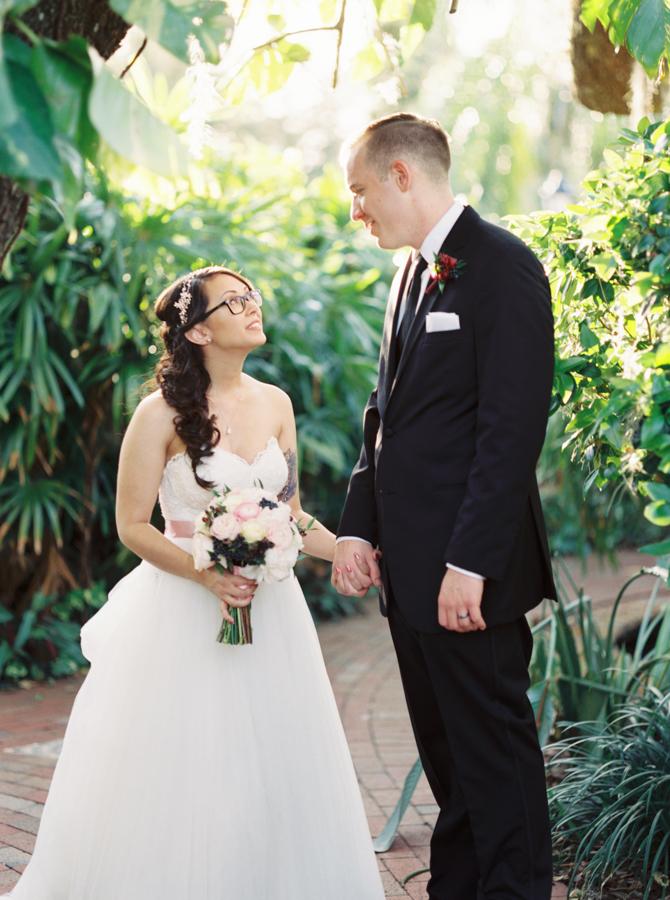 estate on the halifax in daytona beach, port orange fl wedding photos, bride and groom first look
