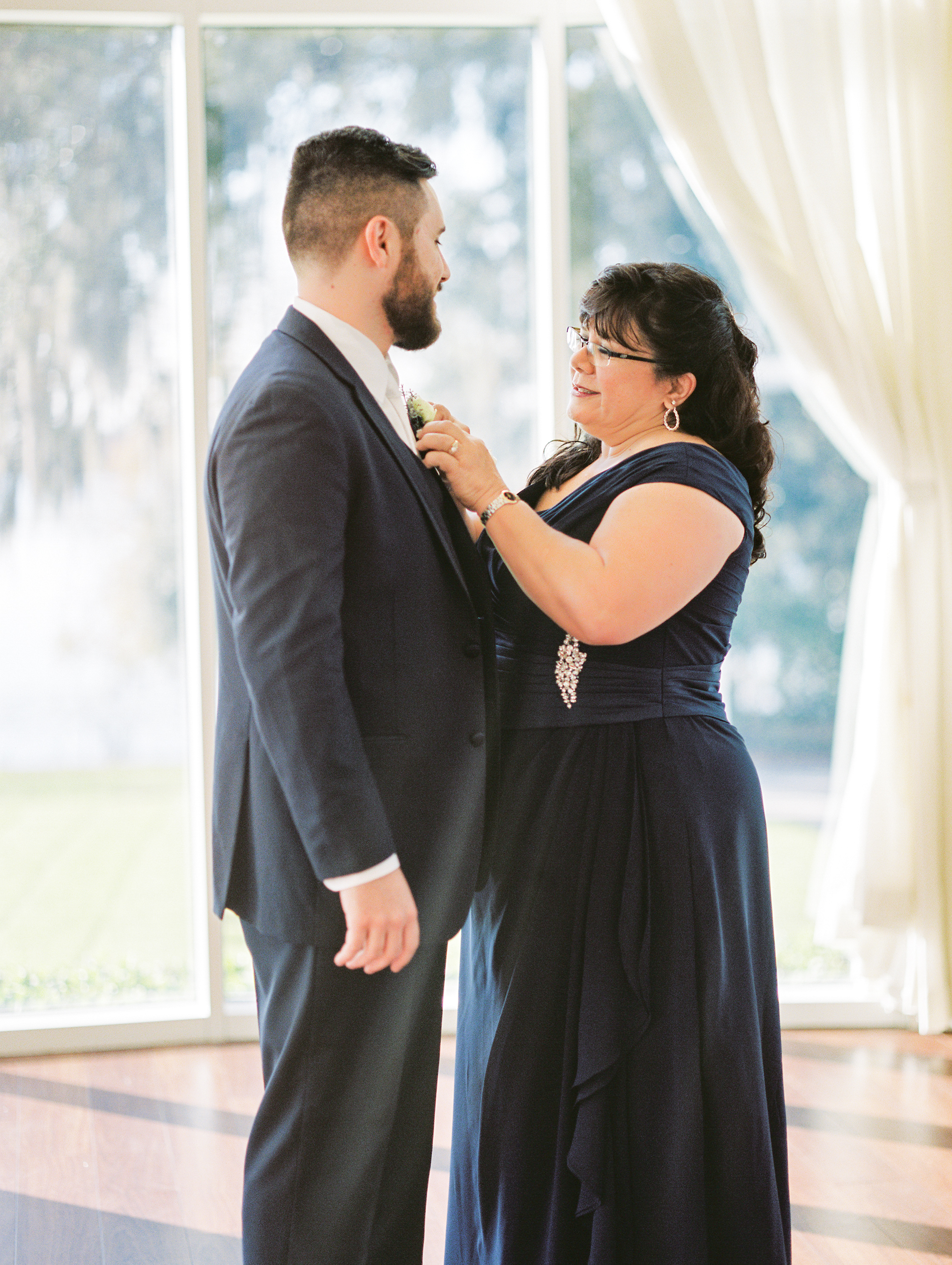 lake-mary-events-center-Florida-wedding-photos-grooms-mother