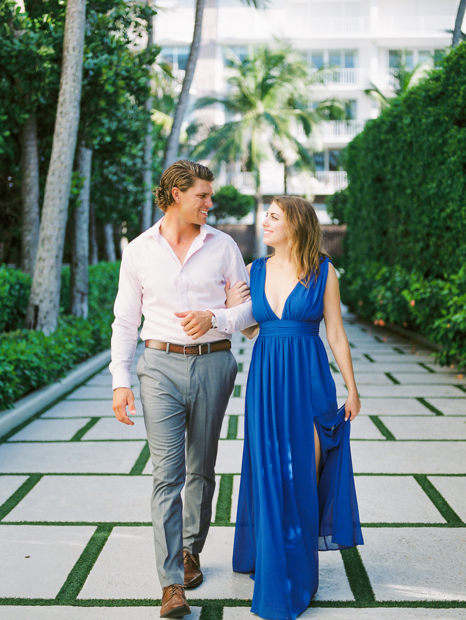 engagement-photos-worth-avenue-west-palm-beach-fl