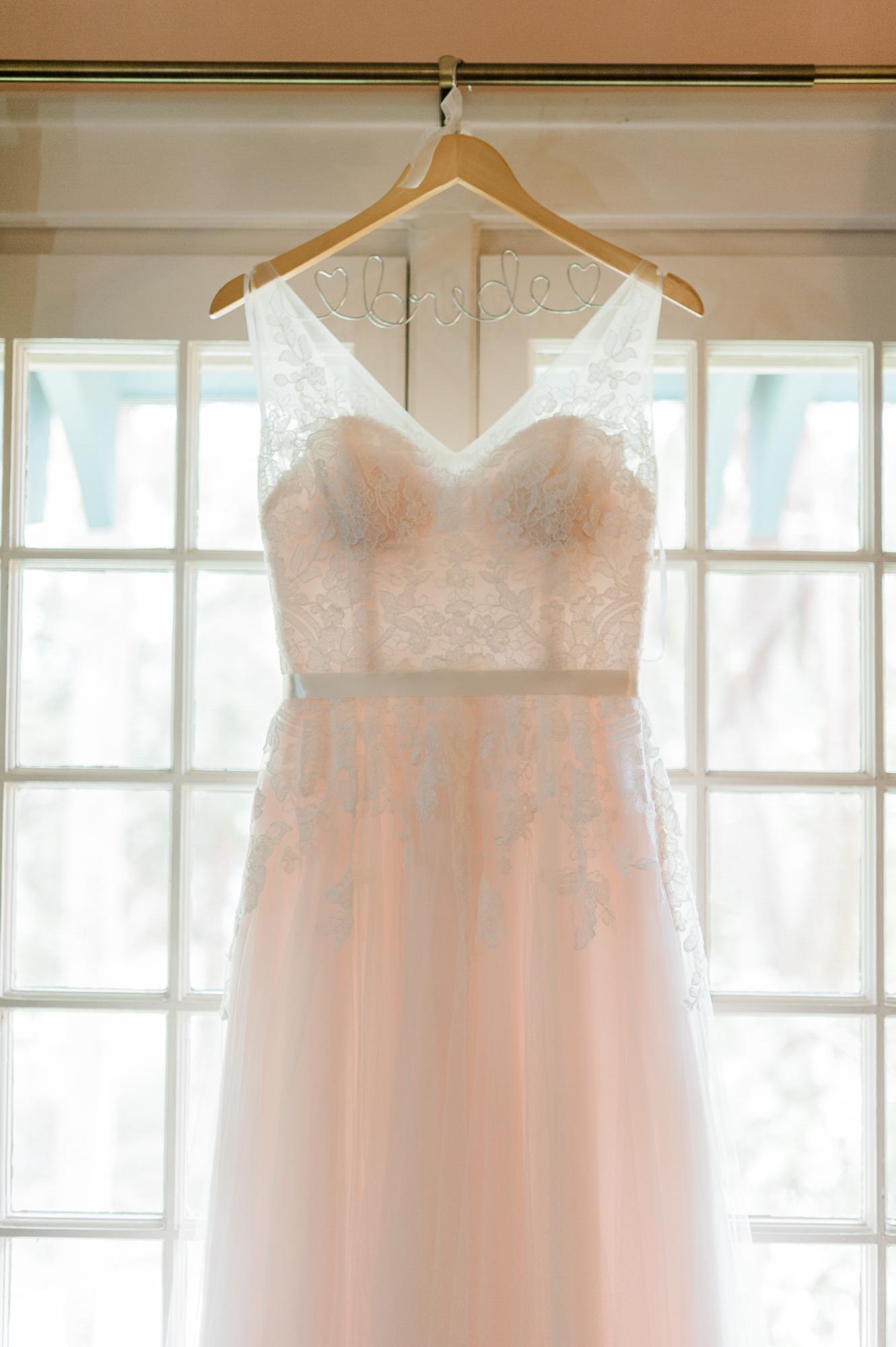 sydonie-mansion-mount-dora-orlando-fl-wedding-photos-dress-gown