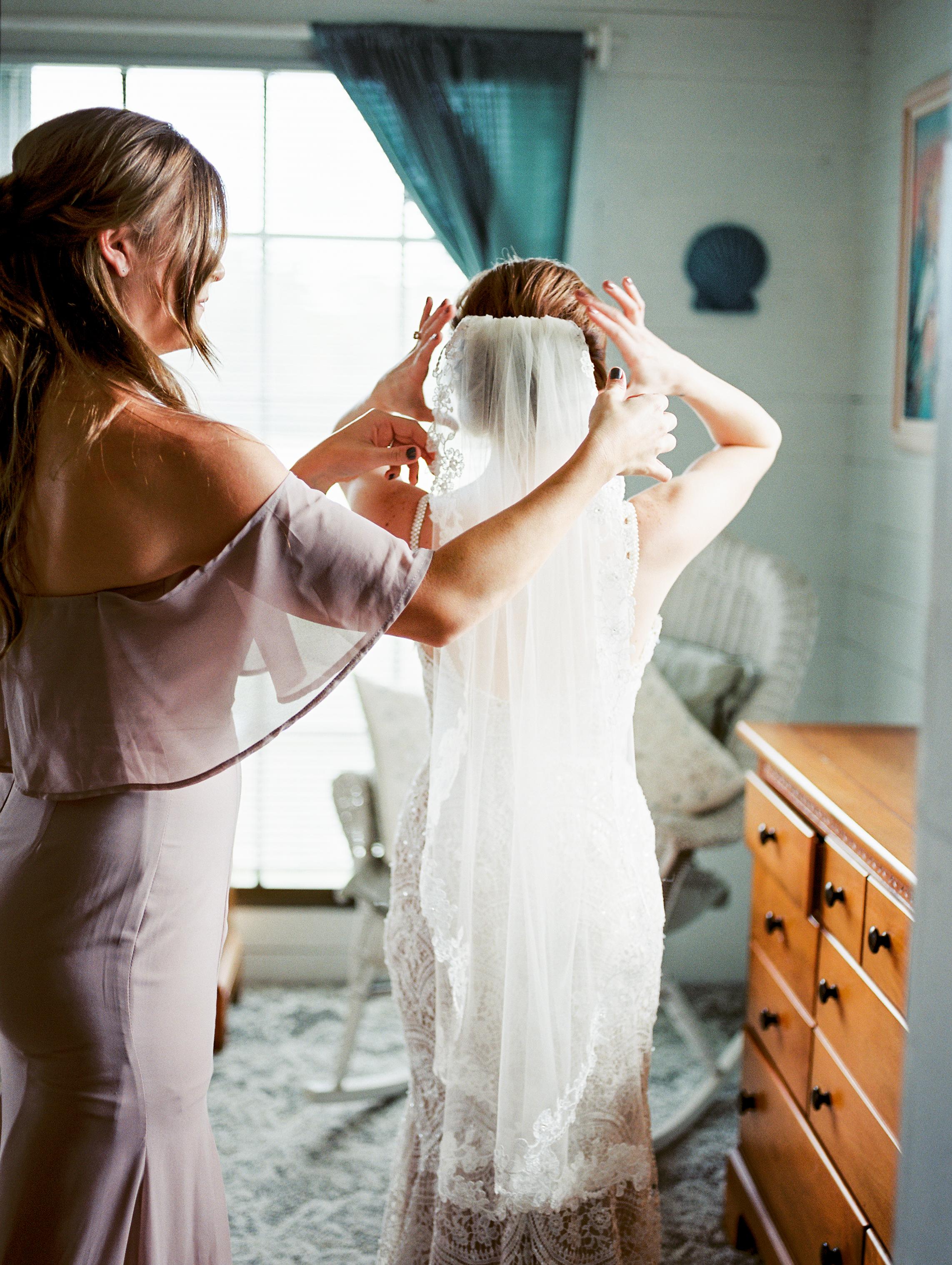 orlando florida wedding photography bride getting ready olivia bowen bridal