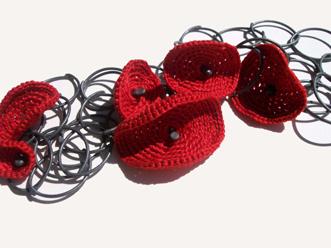 Red Poppy Chain