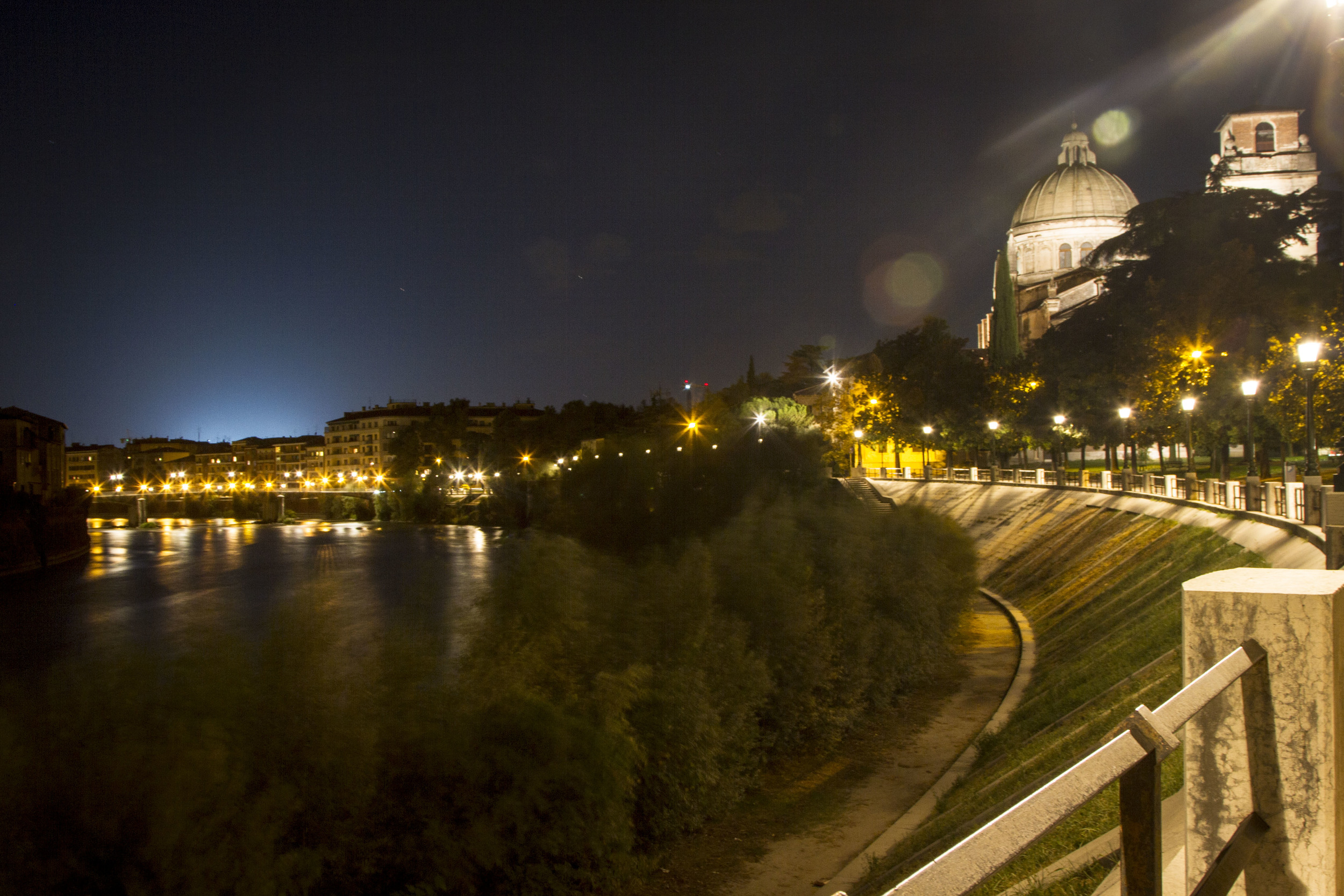 VeronaAtDuskFrom CastelSanPietro-4291.jpg
