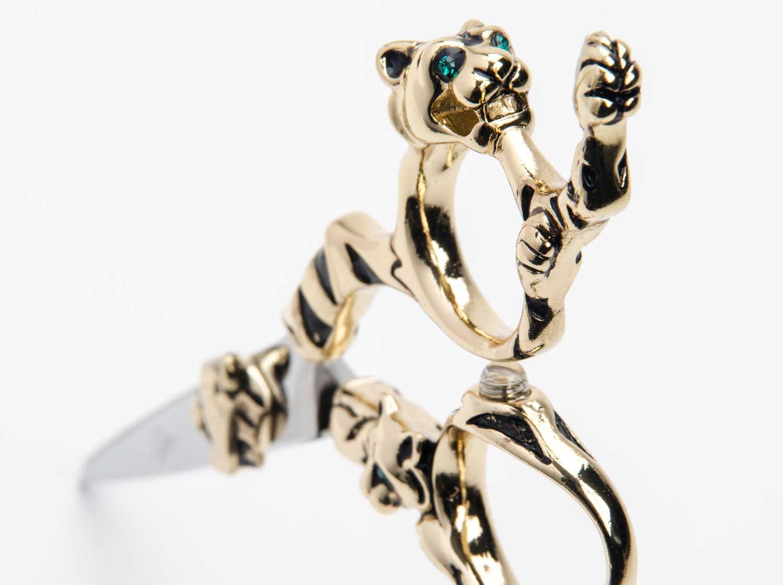 mirage-tiger-gold-handle-black-stripe-high-quality-hair-cutting-shear-top.jpg