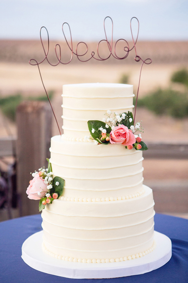 YellowKitchenCakes-Wedding_02.jpg