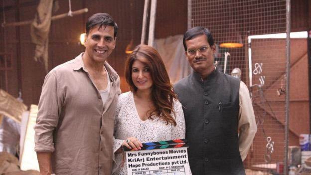 Akshay Kumar, Twinkle Khanna and Arunachalam Muruganantham on the set of Pad Man