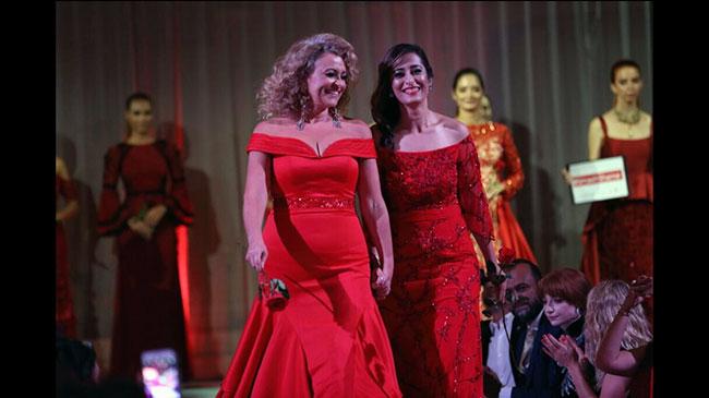 nadia-sawalha-fashion-show-z.jpg