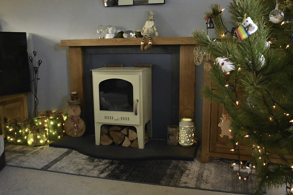 All ready for a visit from Santa Claus #festivefireplace