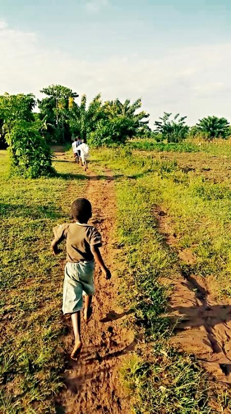 En+route+to+school.jpg