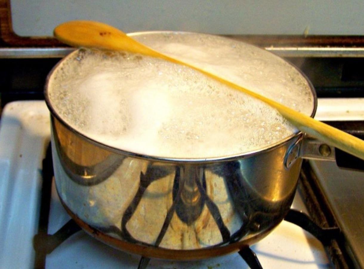 Pot boiling life hack.jpg
