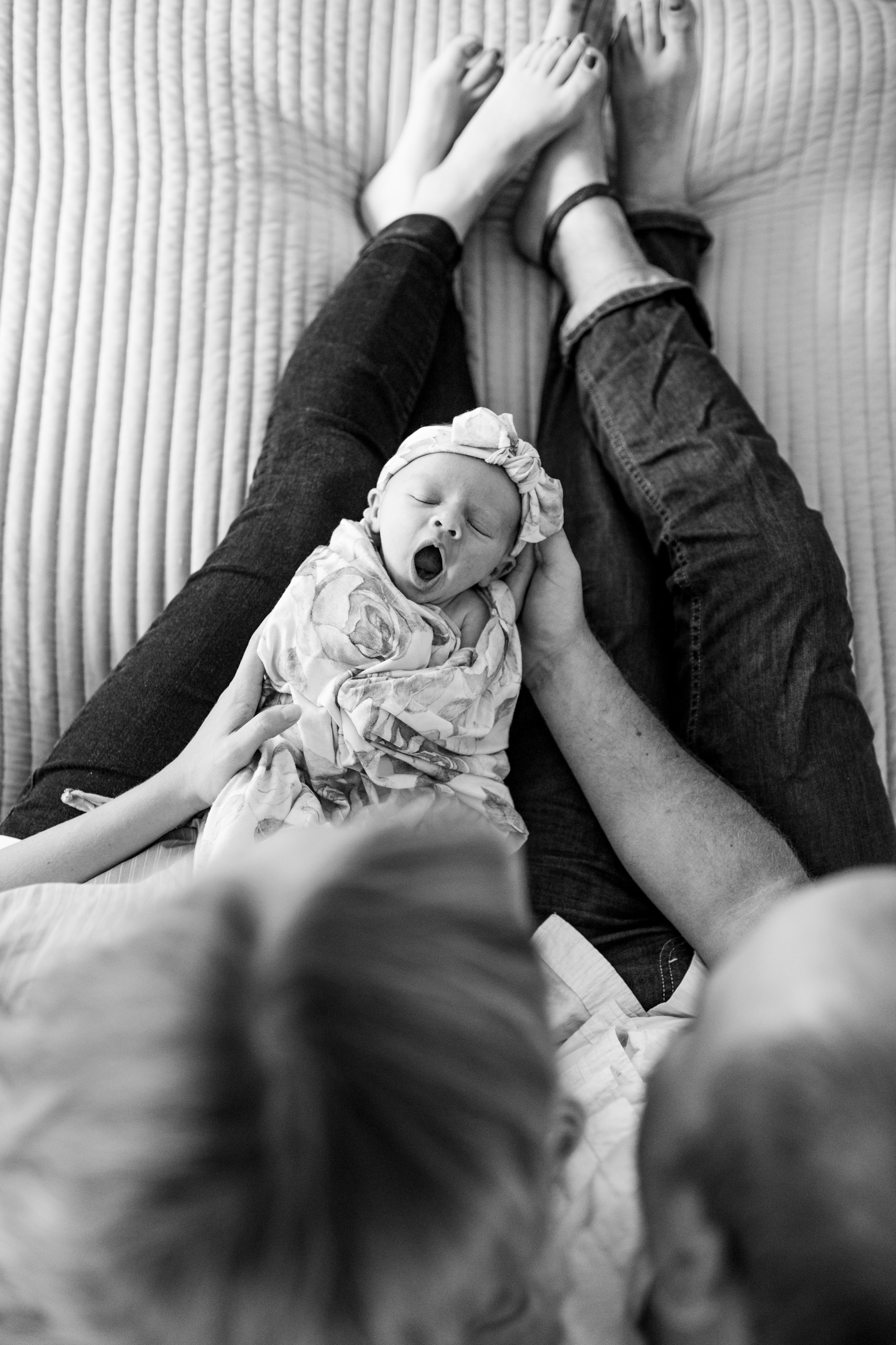 lifestyle newborn photography-9.jpg