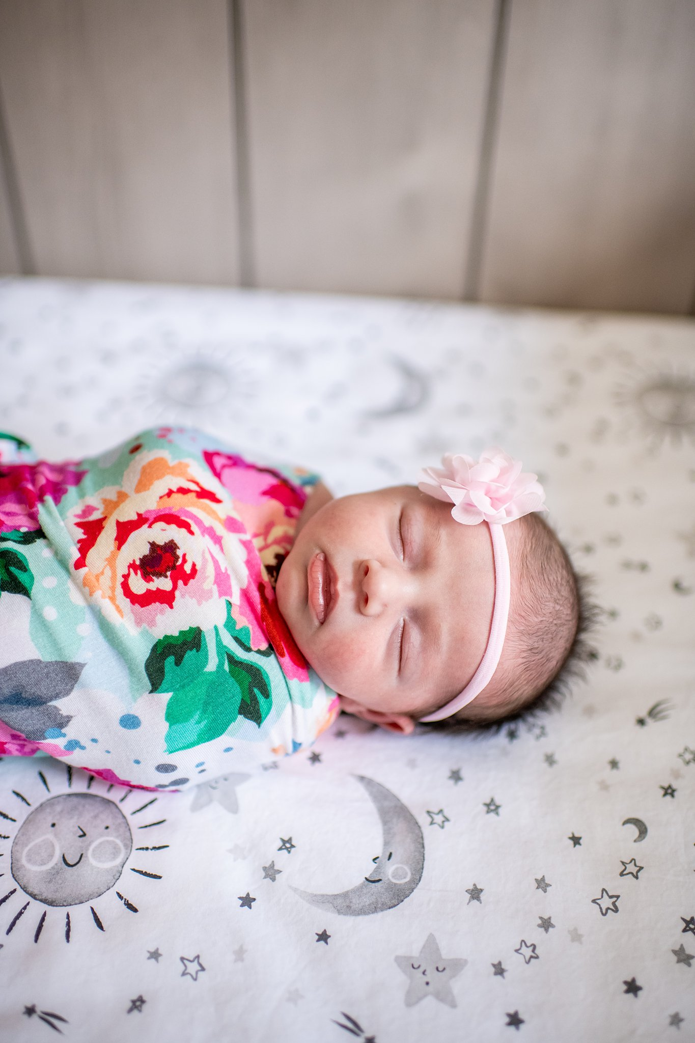 detroit lifestyle newborn photography-3.jpg