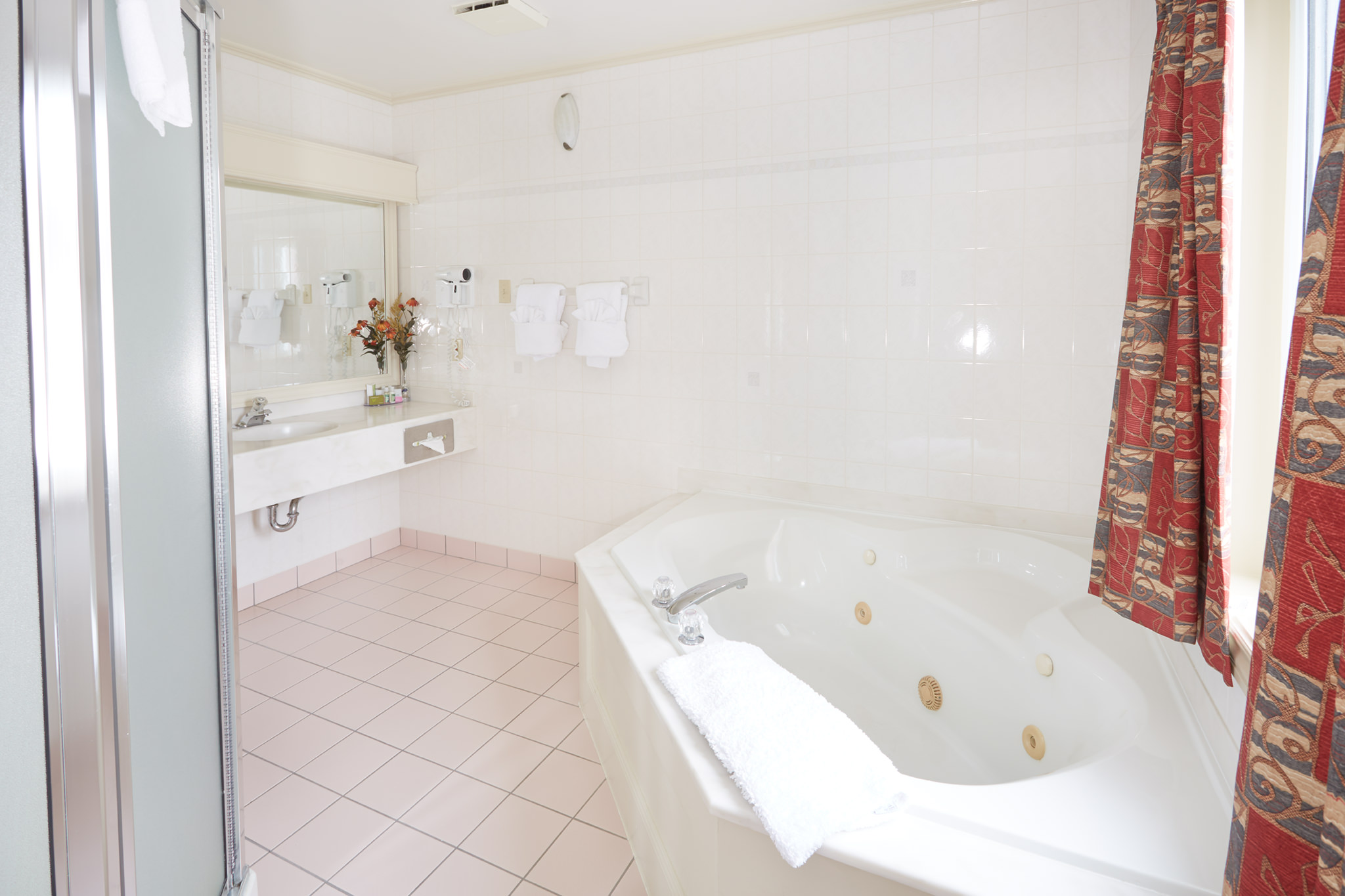 2 Story 1 Bedroom Suite - Master Bath 357