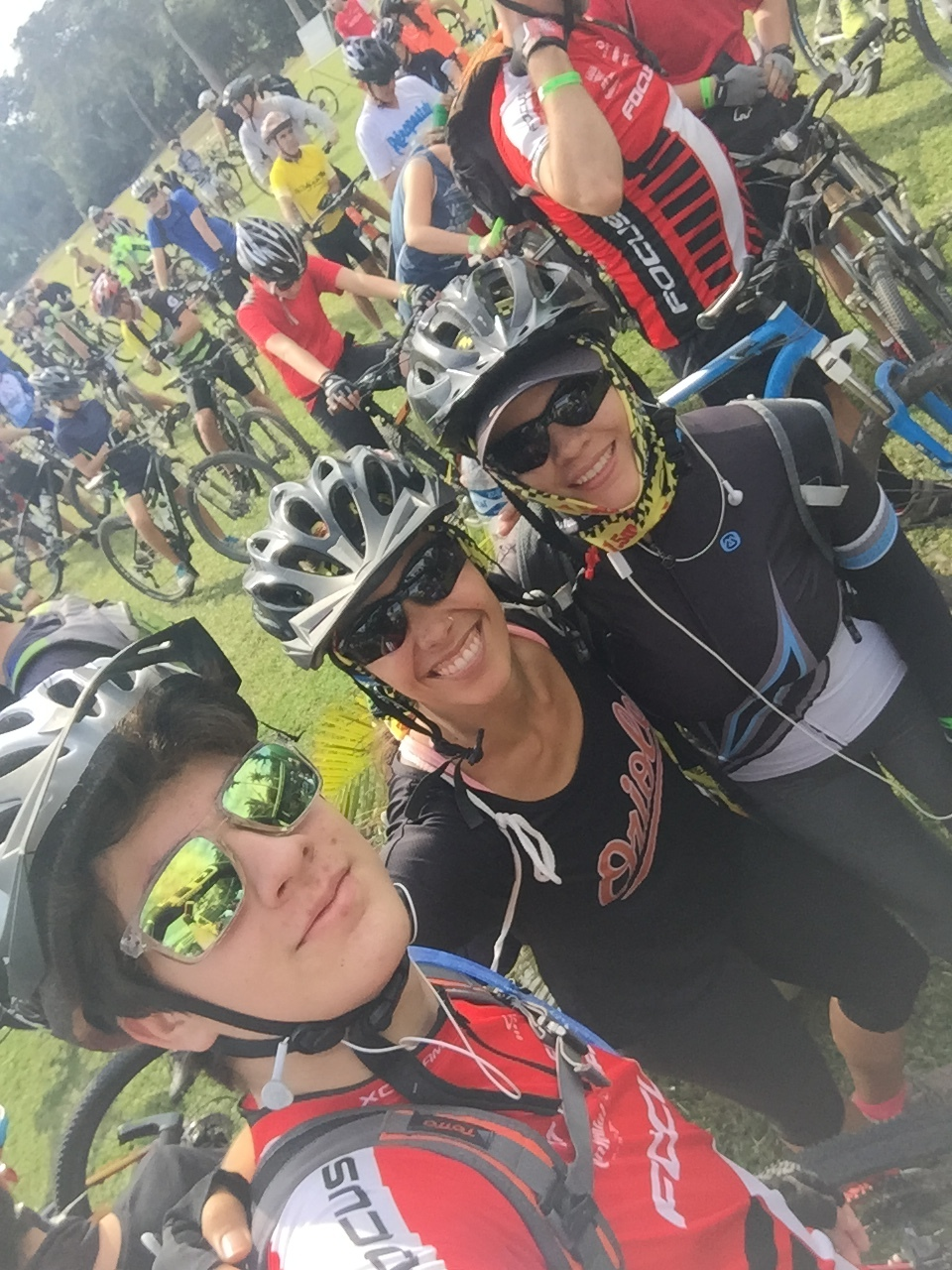 Gabriel, me, and Veronica at the start of the race.