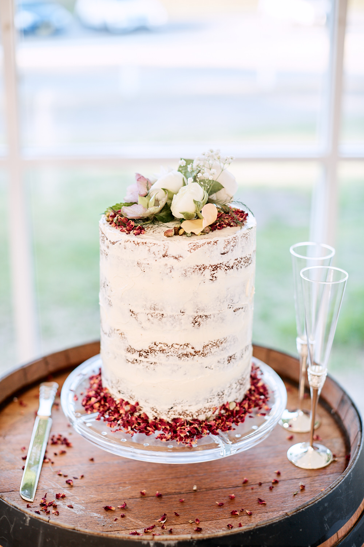 Wedding cake at Centennial Homestead wedding
