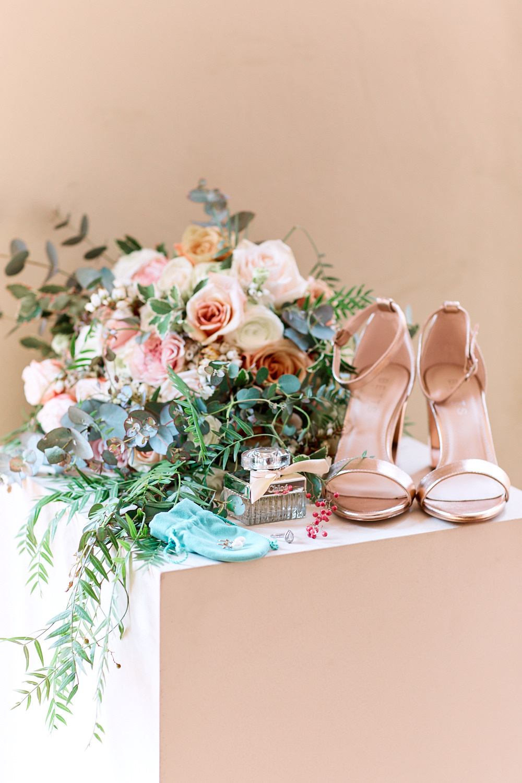 Brides details at Estate Tuscany Pokolbin by wedding photographer Joshua Witheford