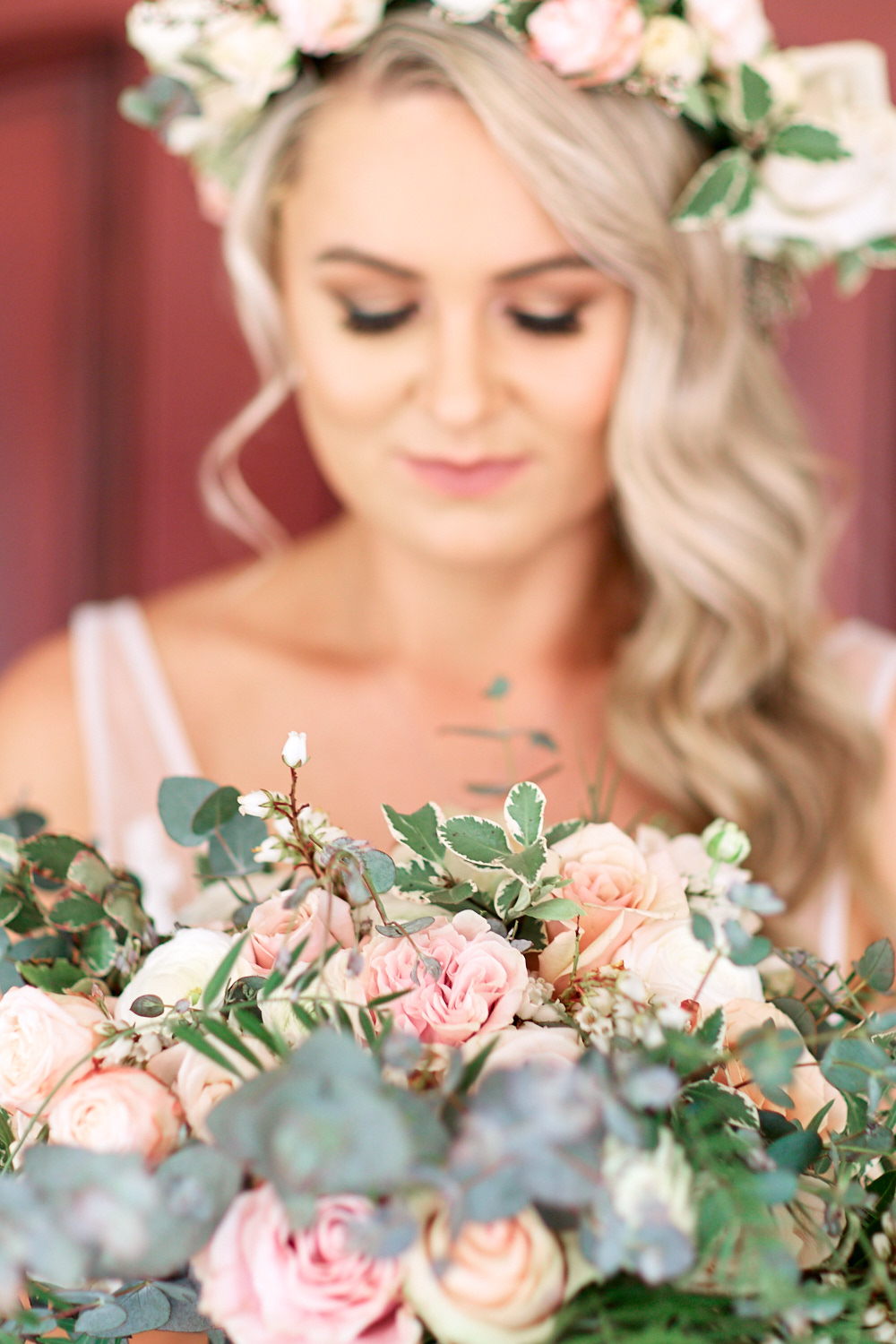 Closeup of brides bouquet at Estate Tuscany Pokolbin in the Hunter Valley by wedding photographer Joshua Witheford