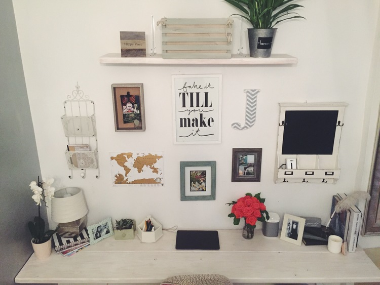 DIY Desk in NYC by The Blonde Vagabond.JPG