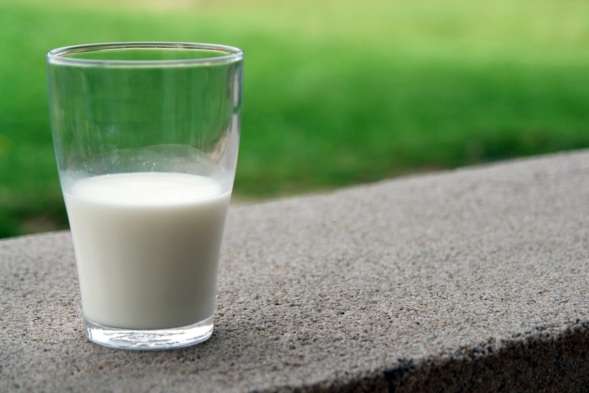 Switching to a nut-based milk over dairy milk can improve your health tremendously  (source)