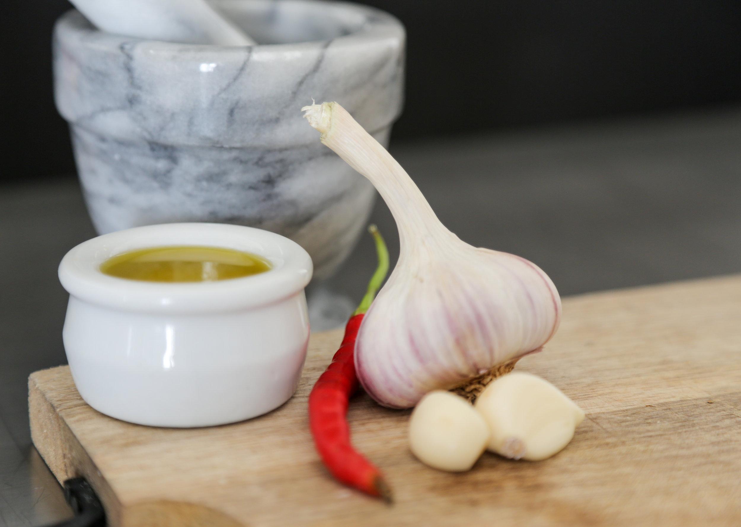Oil garlic pepper.jpg