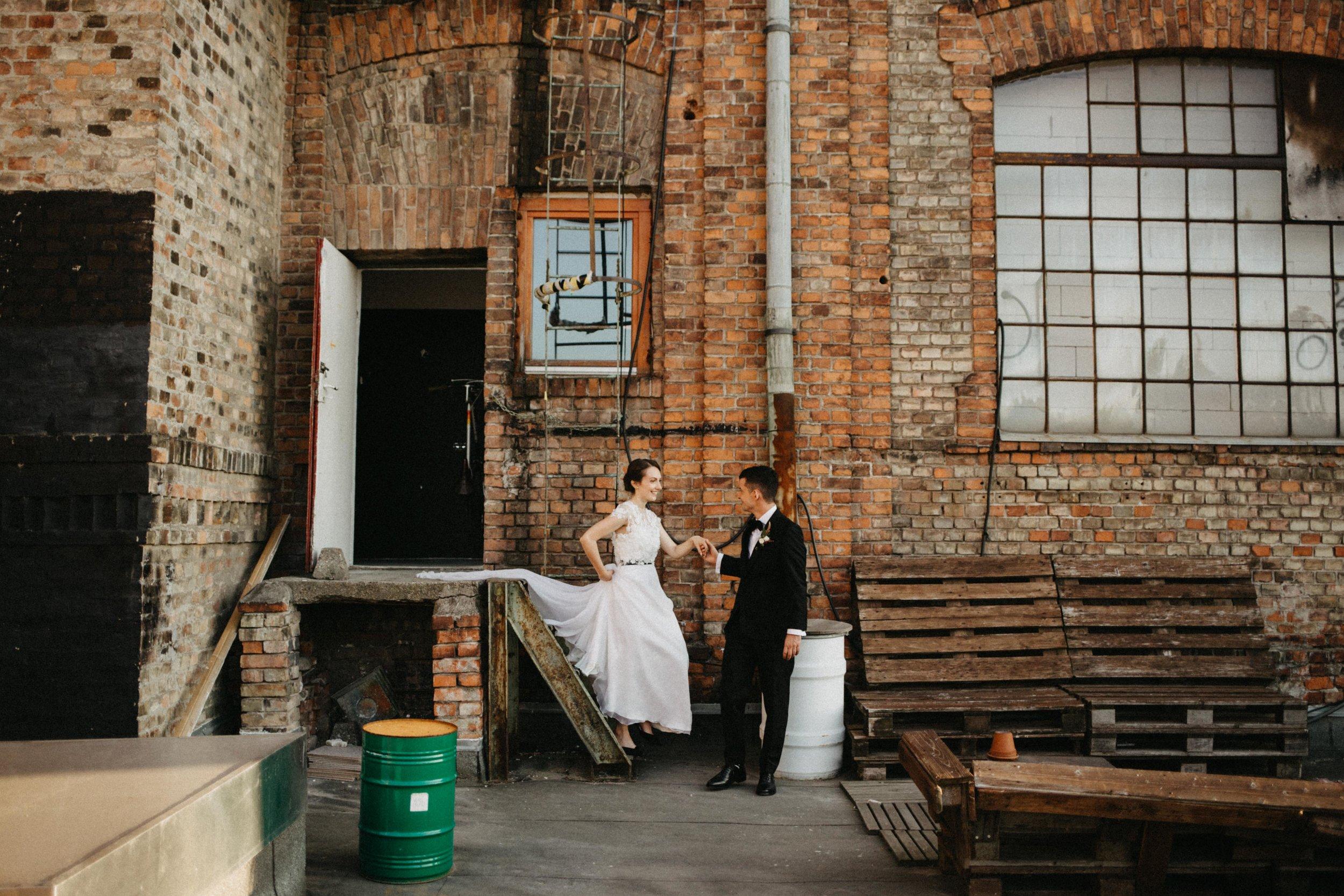 1826-Moni+Szabi-wedding-326-w.jpg