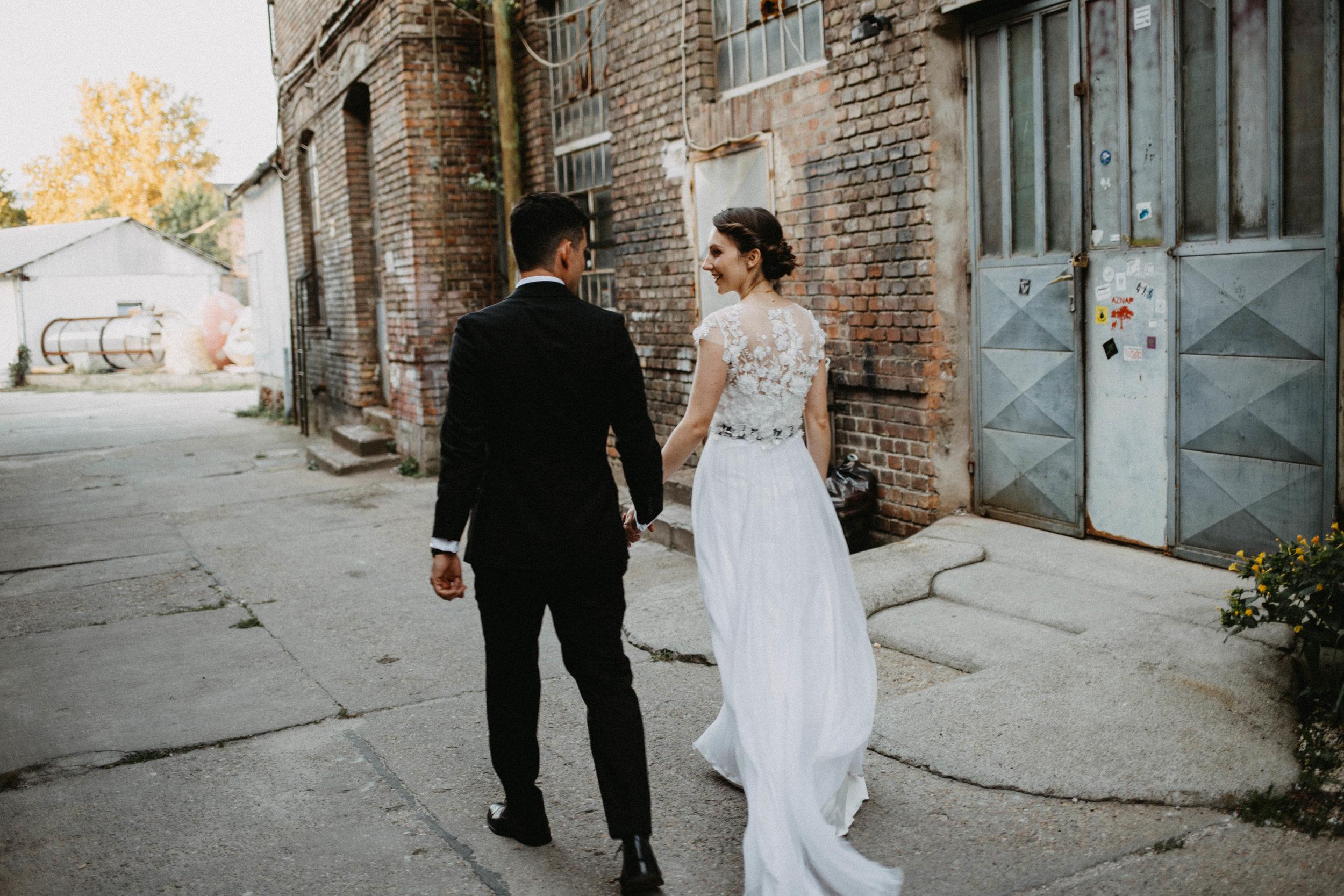 1826-Moni+Szabi-wedding-338-w.jpg