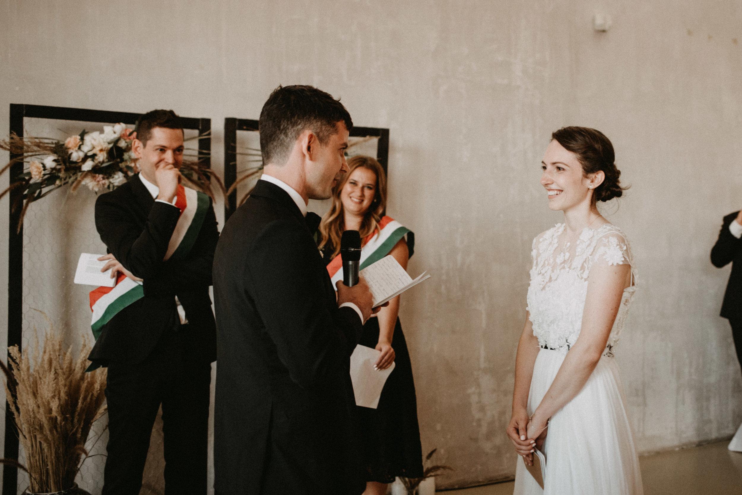 1826-Moni+Szabi-wedding-396-w.jpg