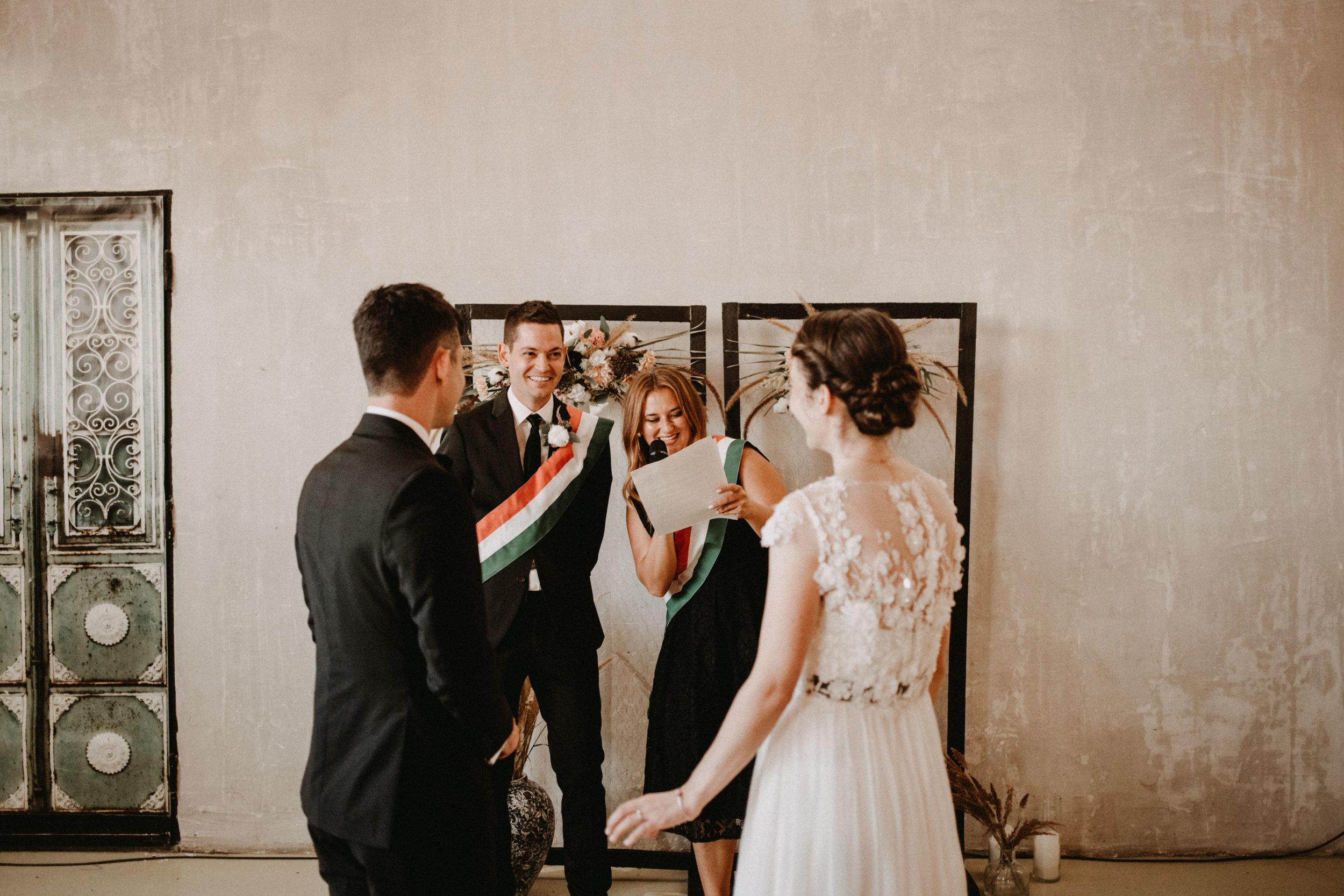 1826-Moni+Szabi-wedding-435-w.jpg