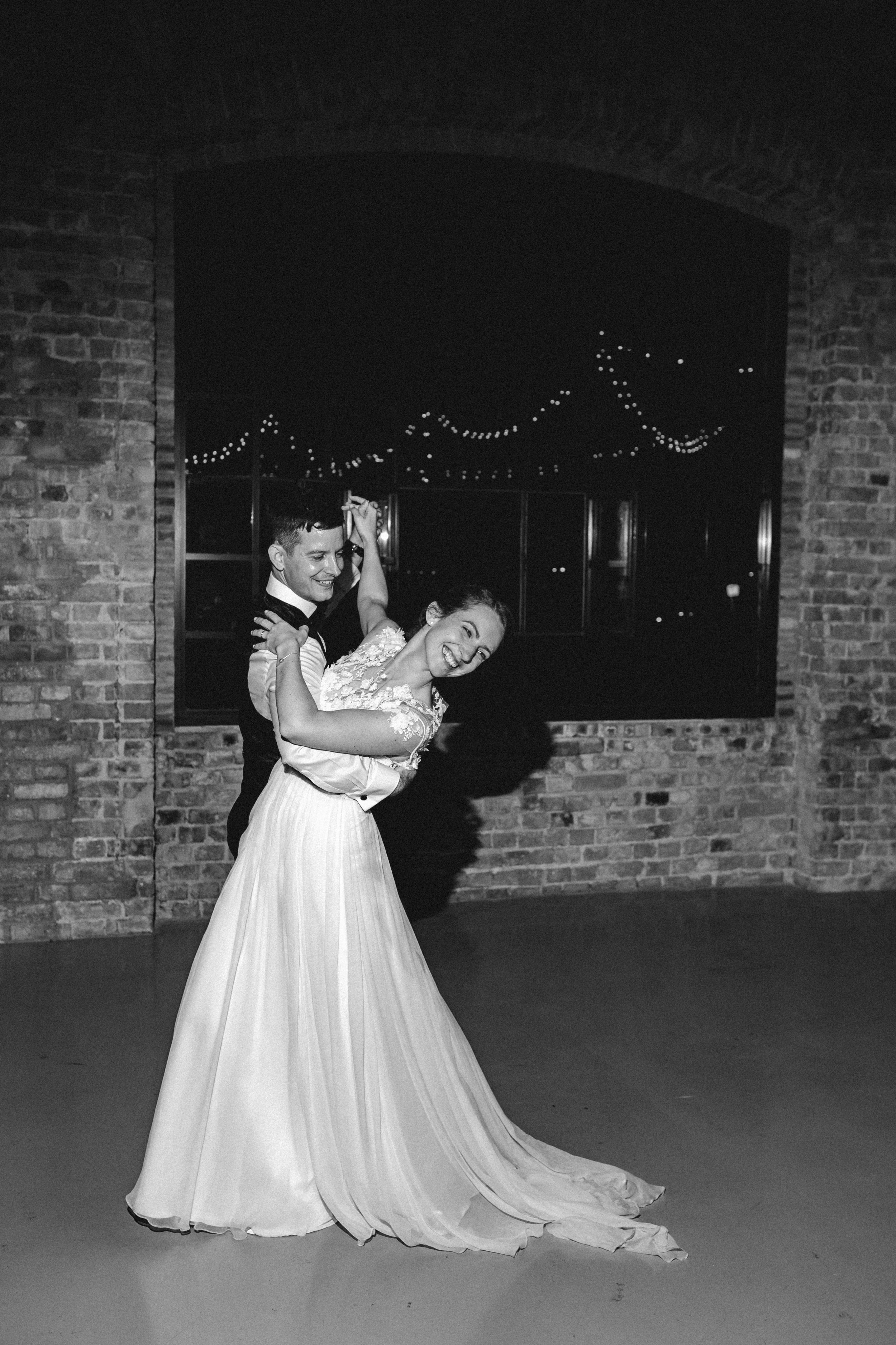 1826-Moni+Szabi-wedding-639-w.jpg