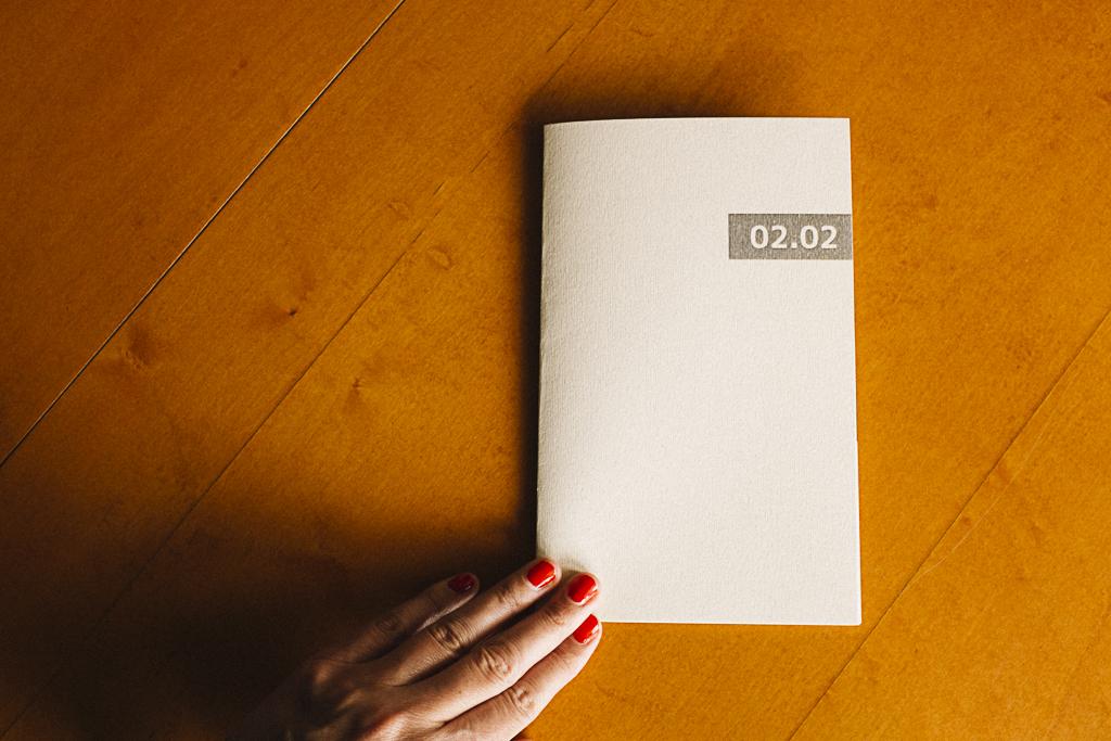 Fotolibro  02.02  editado en el taller de fotolibros colectivos  Las ciudades invisibles  de Caravanbook en la Biblioteca de la Facultad de Bellas Artes de la UCM. Programa [AC] - Acciones Complementarias.