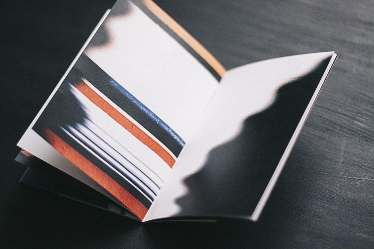 Libro  Blanco Roto  de Cristóbal Benavente