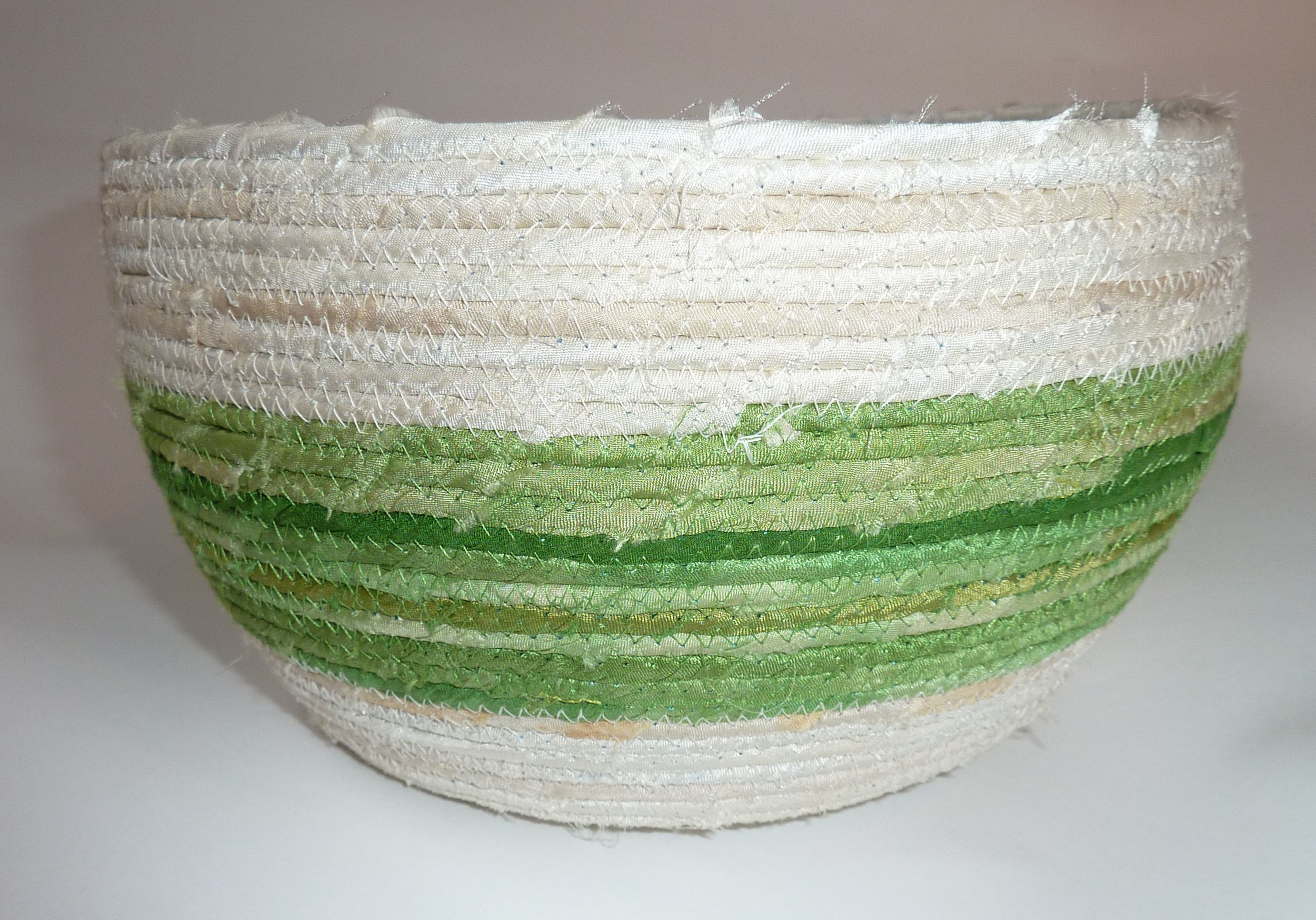 apple silk basket