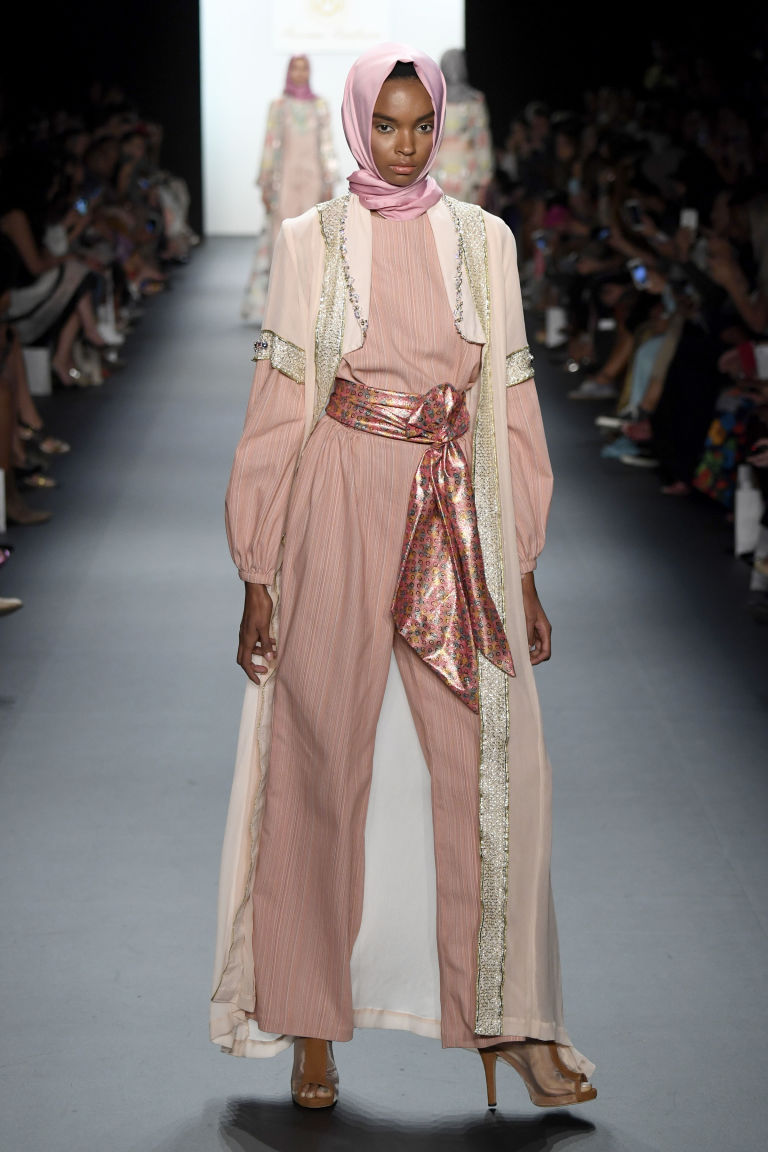 A mix of shades and textures added excitement to monochromatic ensembles